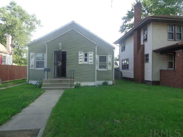 2718 Prast South Bend, IN 46628