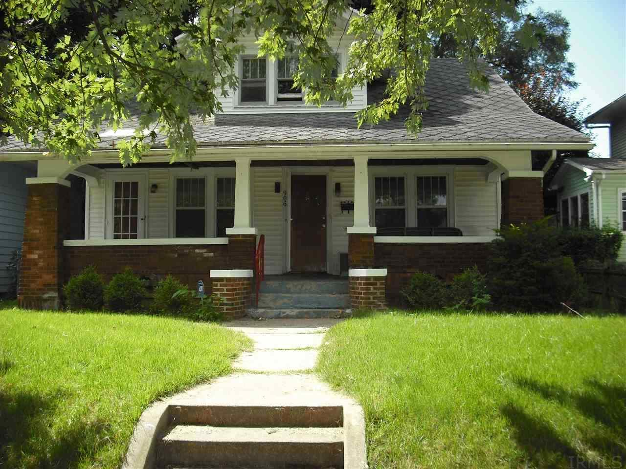 906 Fox South Bend, IN 46613