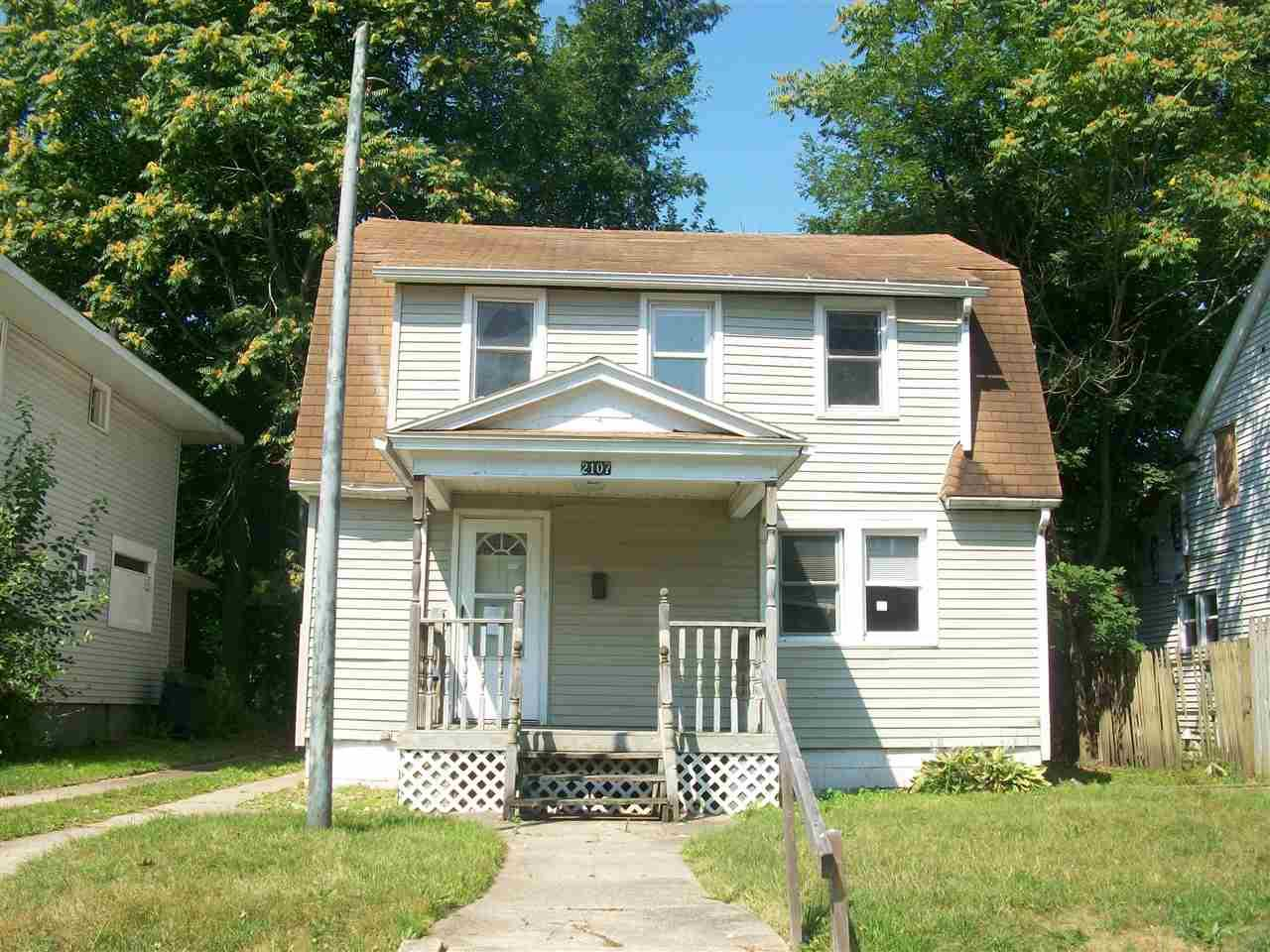 2107 High South Bend, IN 46613