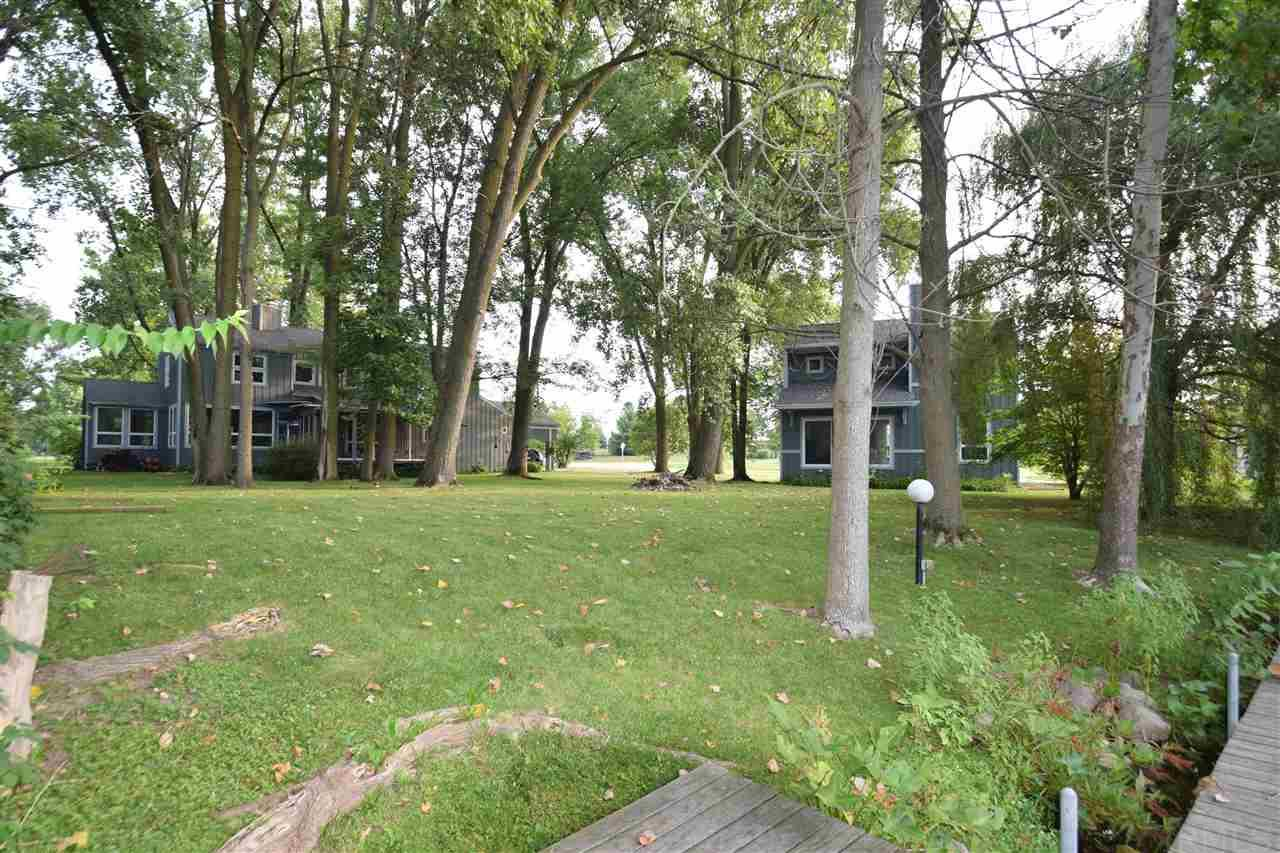 12332 N Seth Ward Rd #7791 E Cherokee is included in this price Syracuse, IN 46567