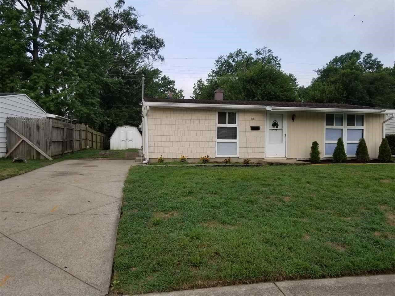 1307 N Manchester South Bend, IN 46615