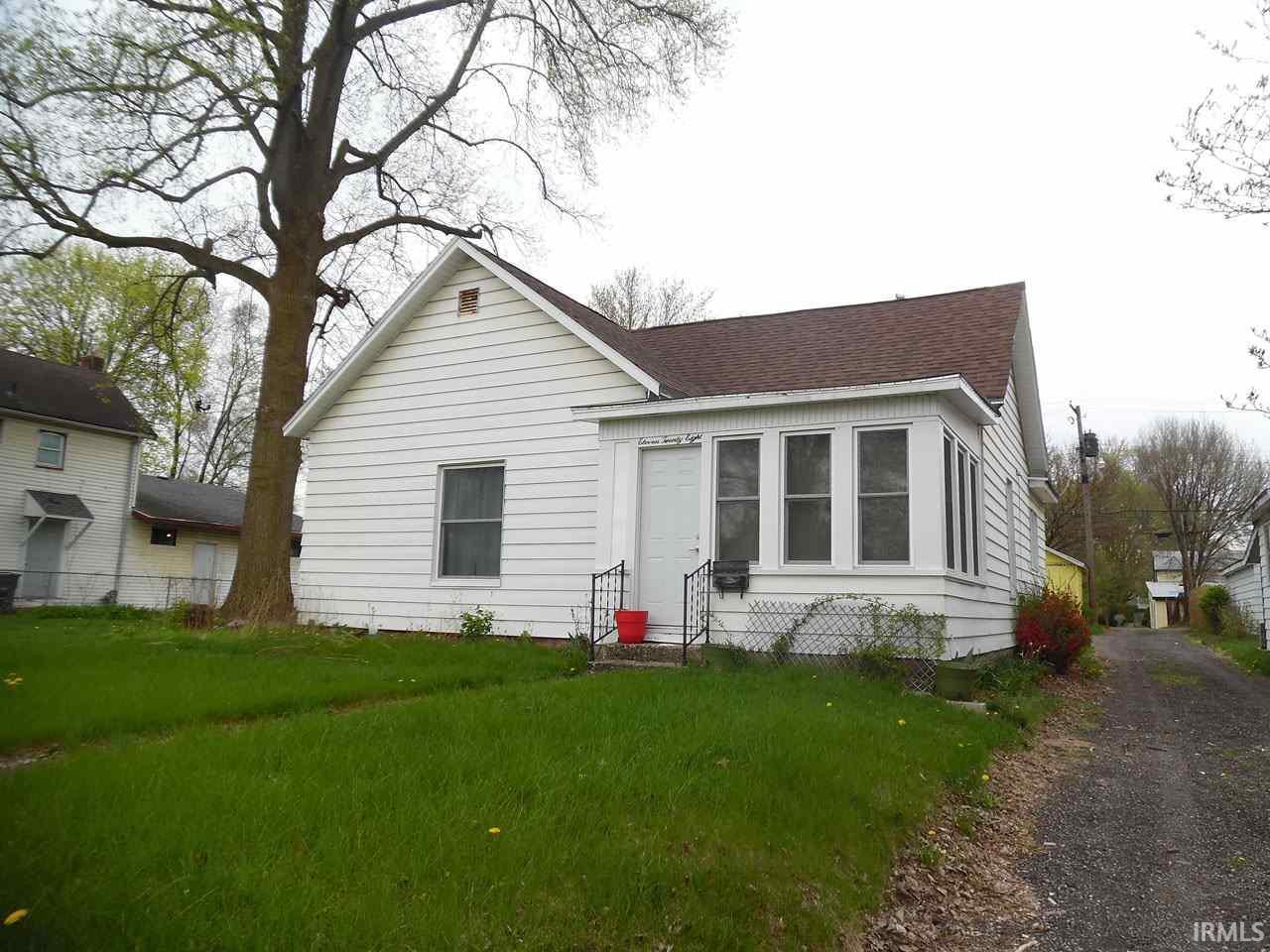 1128 Middlebury Elkhart, IN 46516