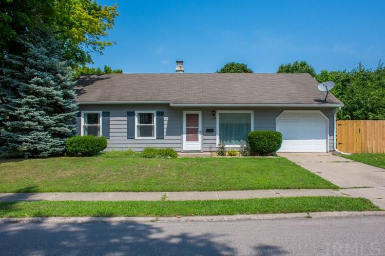 1445 Glenlake South Bend, IN 46614