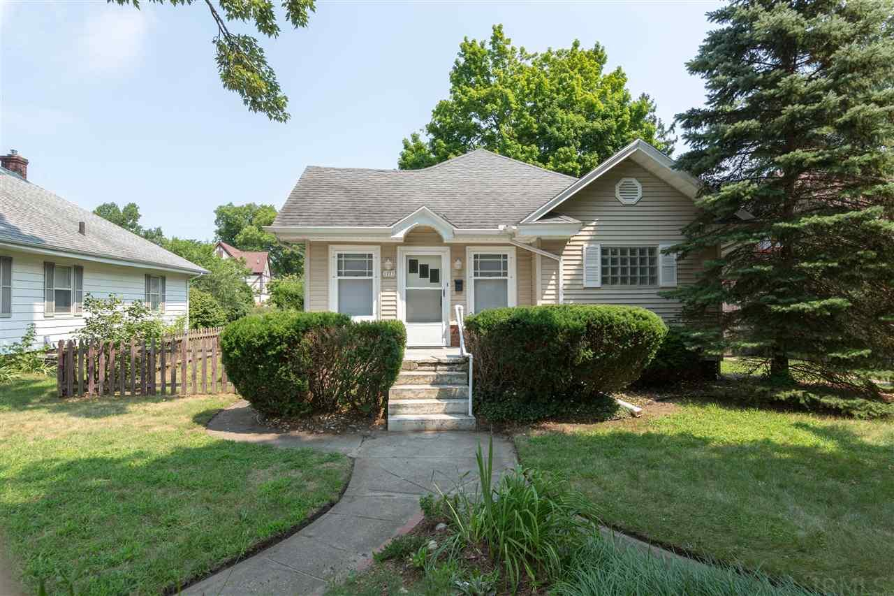1223 Sunnymede South Bend, IN 46615