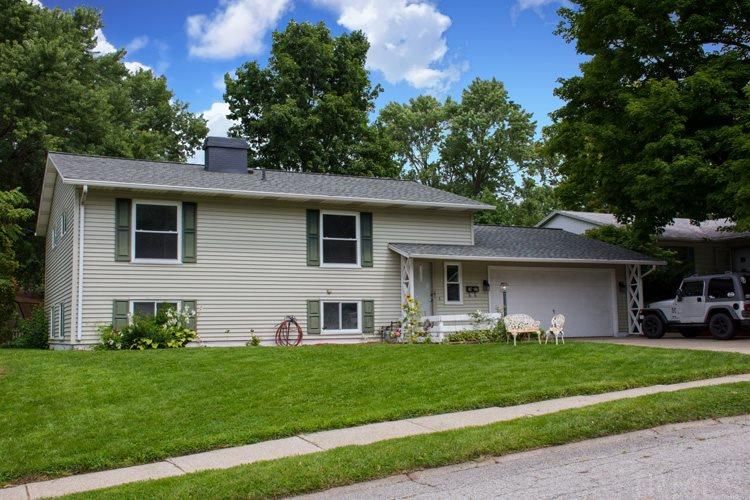 1917 Trent Way South Bend, IN 46614