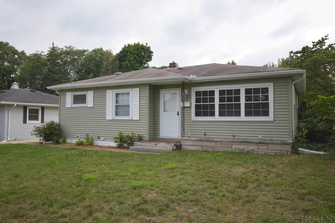 1233 Sussex South Bend, IN 46628