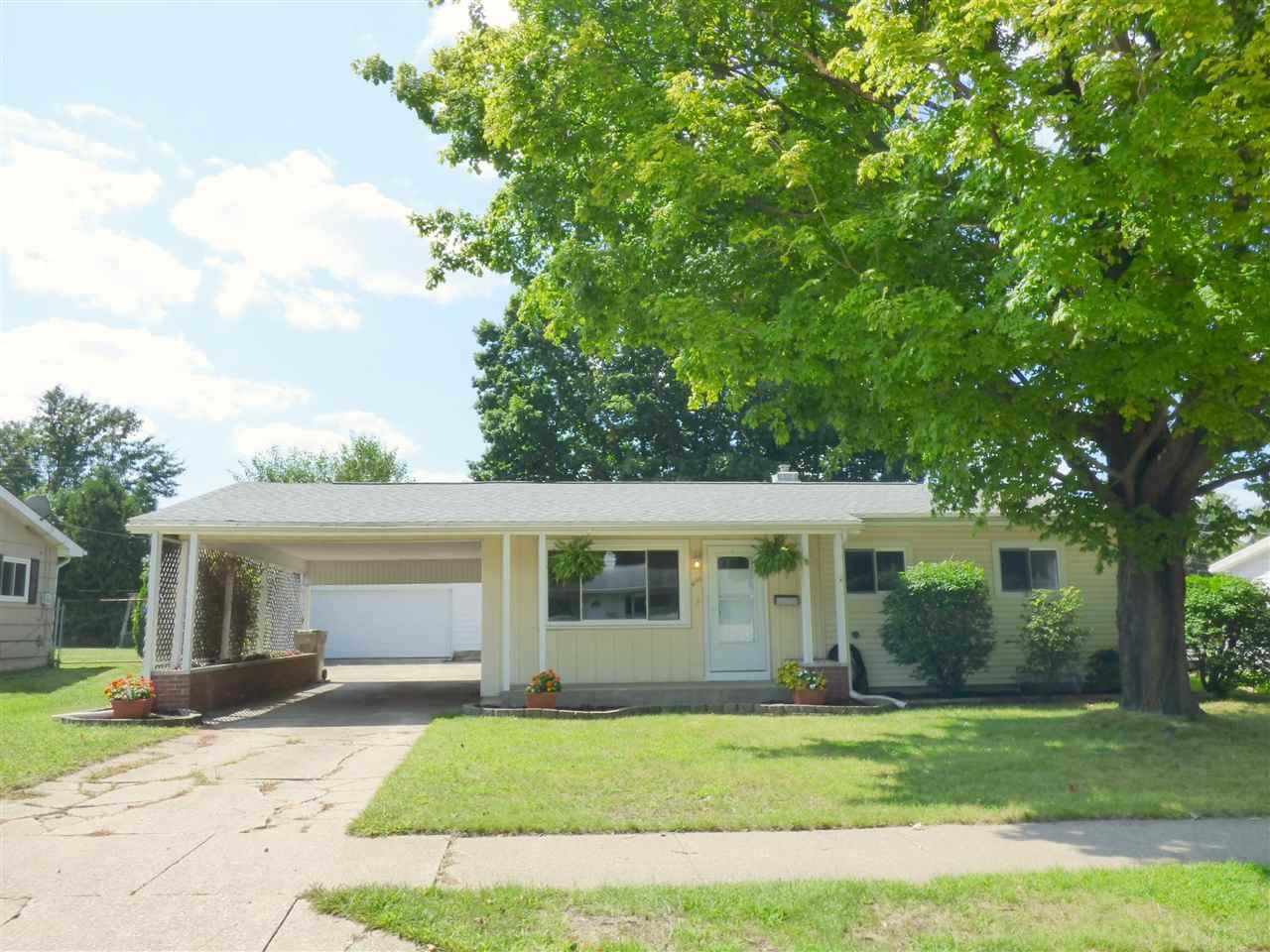 4103 Manor South Bend, IN 46614