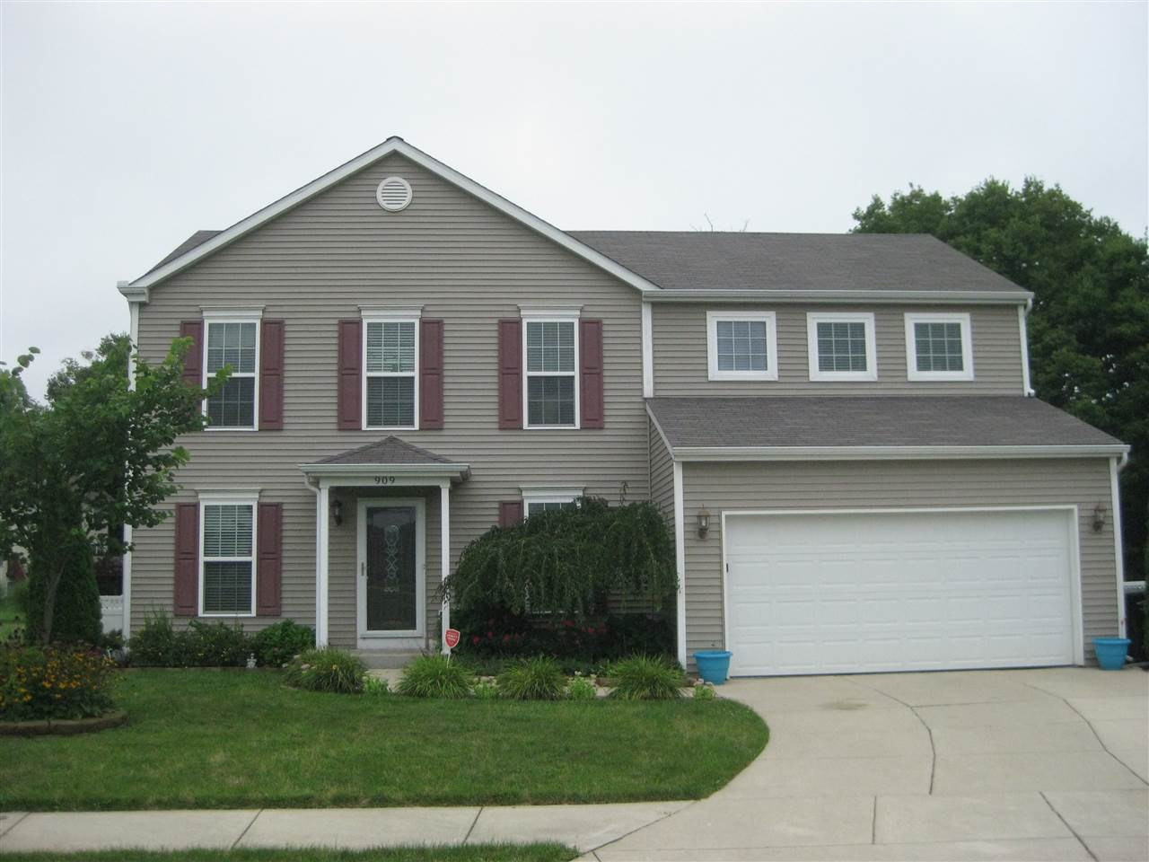 909 Vawter South Bend, IN 46614