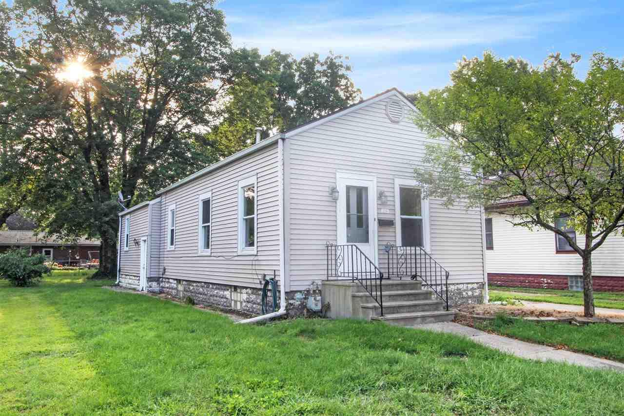 216 Manor Elkhart, IN 46516