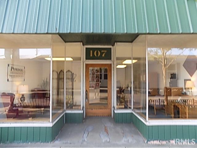 107 E Market Nappanee, IN 46550
