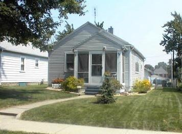 Quaint bungalow located on a quiet street. Could be an investment property, a great 1st time home or an opportunity to downsize and simplify your life. Fenced yard for small children or pets and a detached garage.
