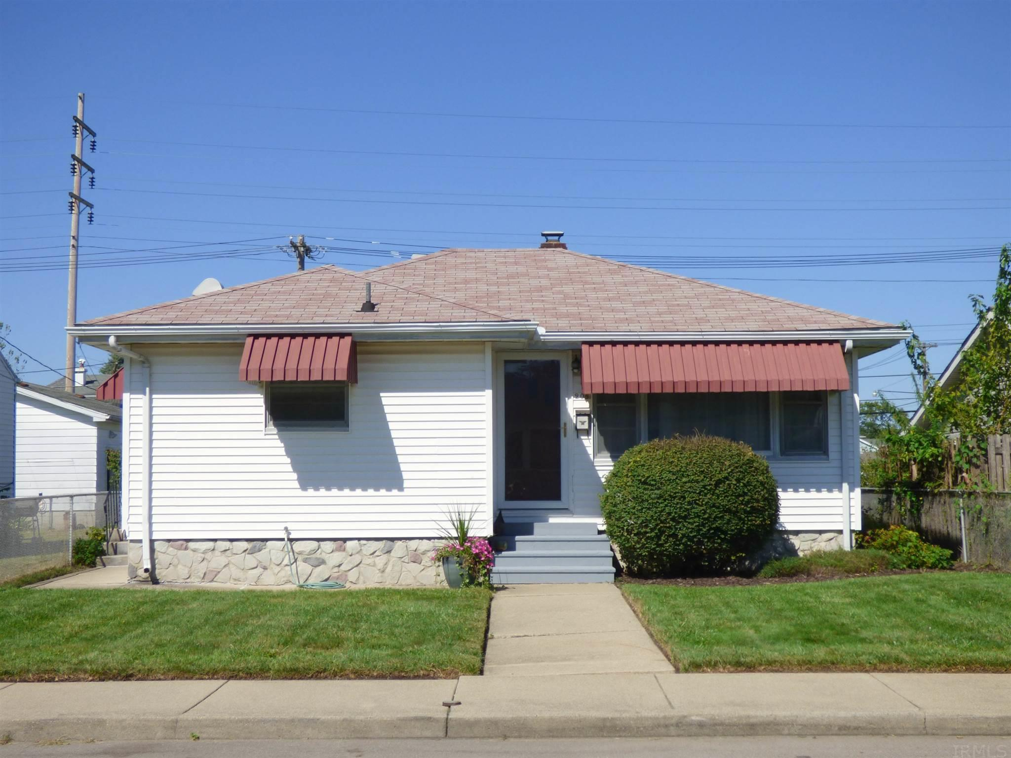 208 W 13TH Mishawaka, IN 46544