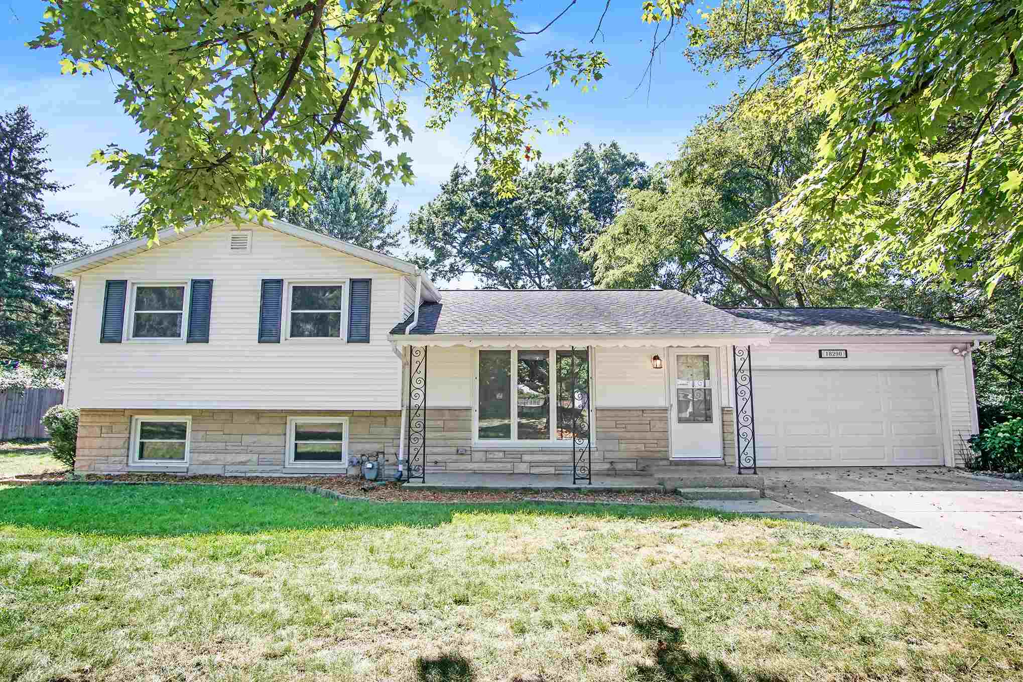18290 Chipstead South Bend, IN 46637