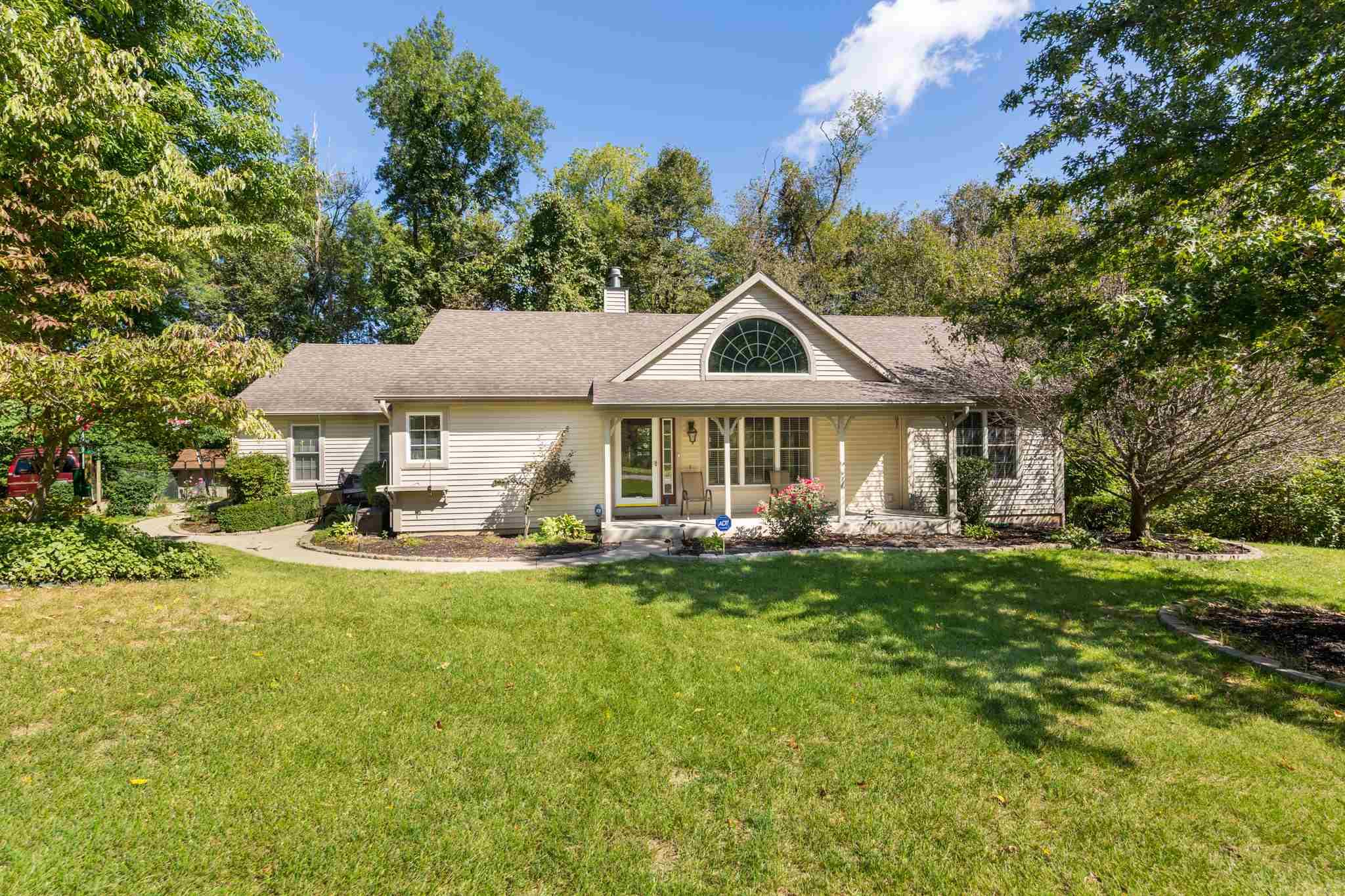 52784 Hollow Trail South Bend, IN 46628