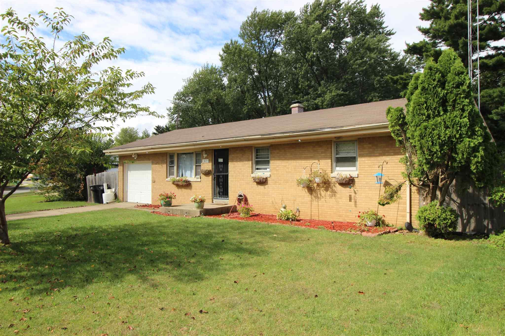 3627 Saint Johns South Bend, IN 46628