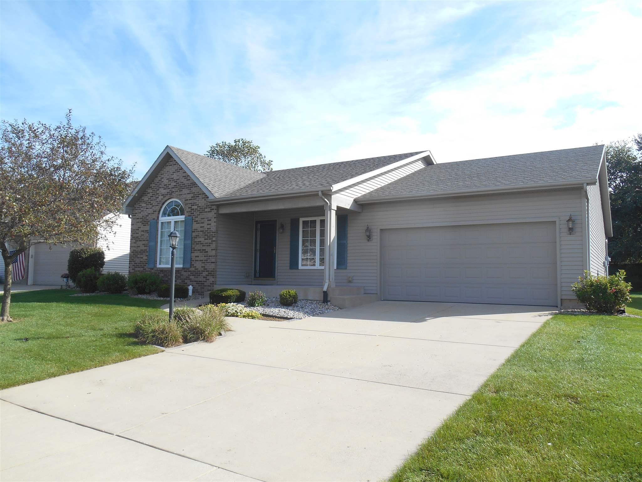 4410 Whitefeather South Bend, IN 46628