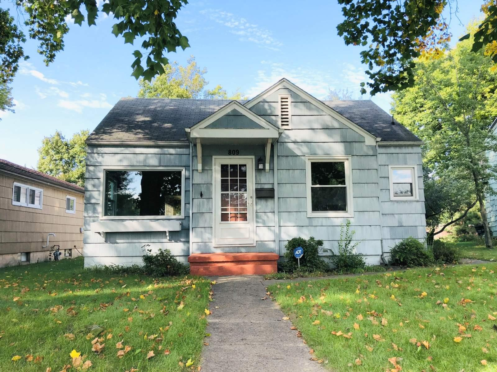 809 E Donmoyer South Bend, IN 46614
