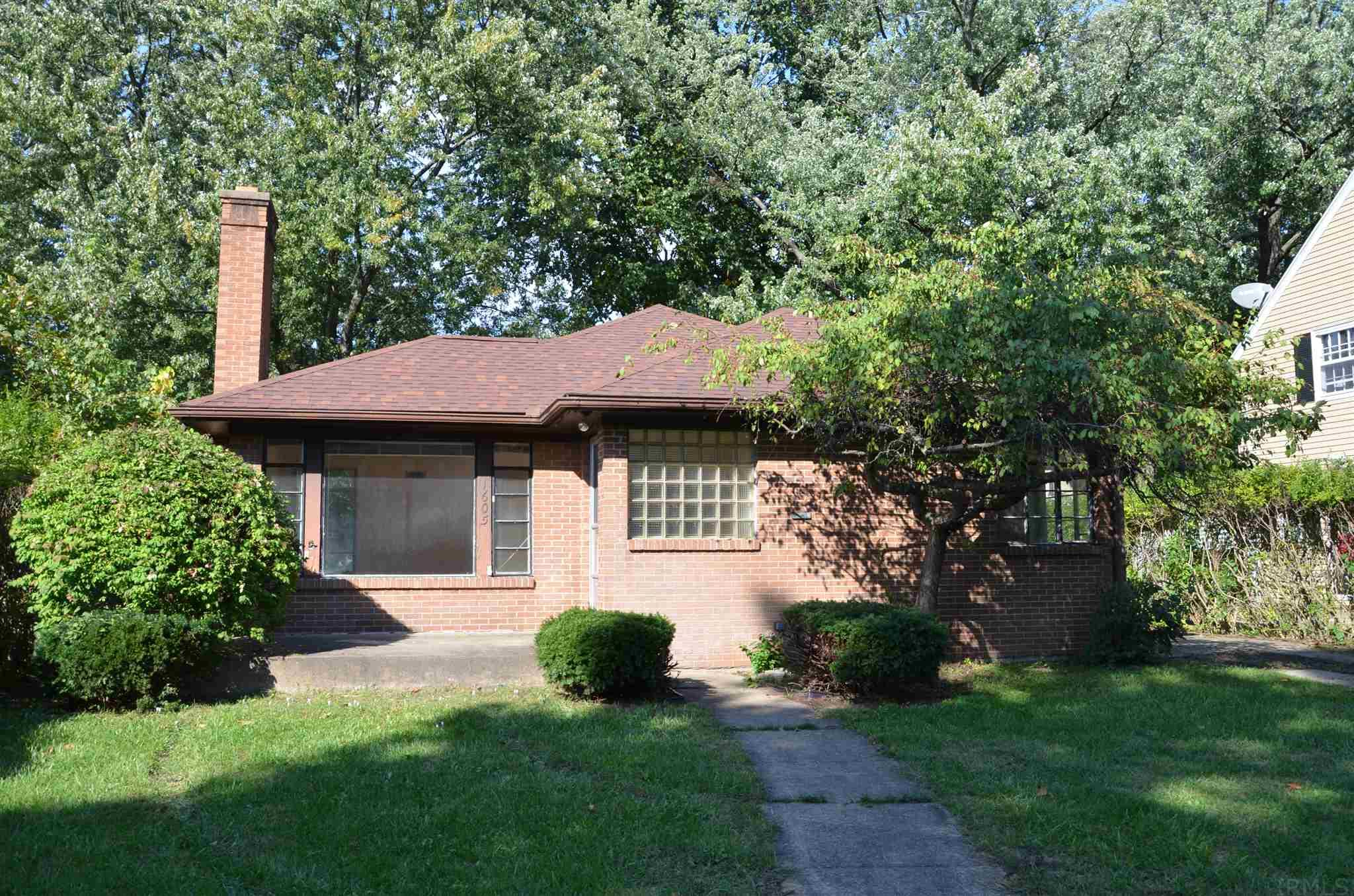 1605 E Madison South Bend, IN 46617