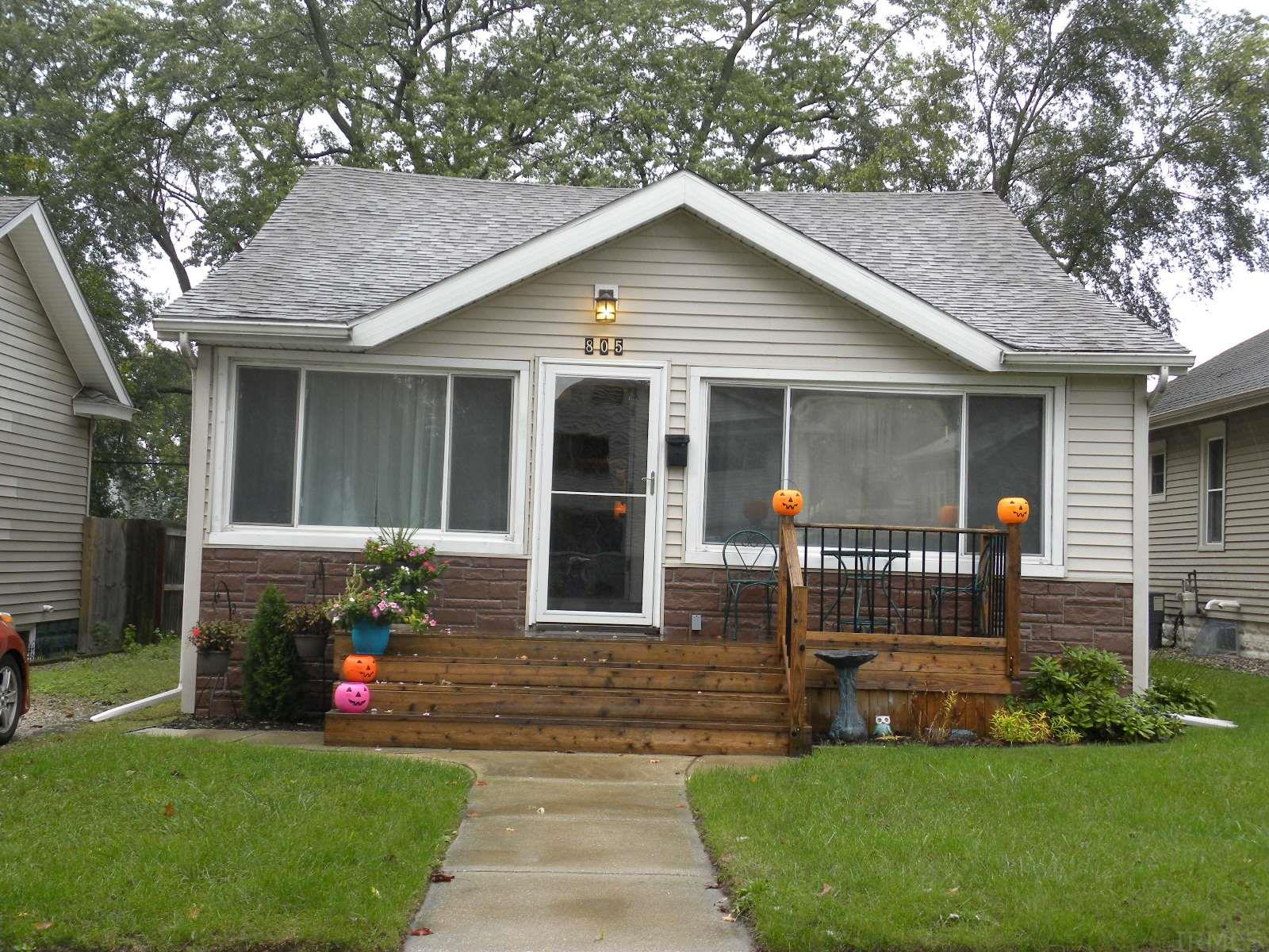 805 S 34th St South Bend, IN 46615