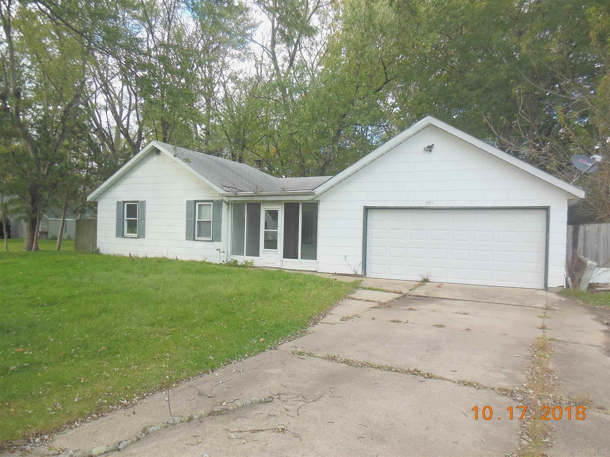 209 Sunnybrook South Bend, IN 46637