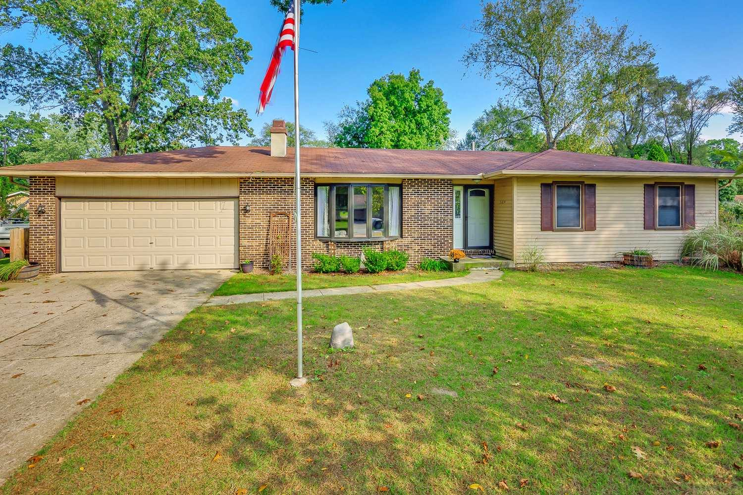 51634 Forestbrook South Bend, IN 46637