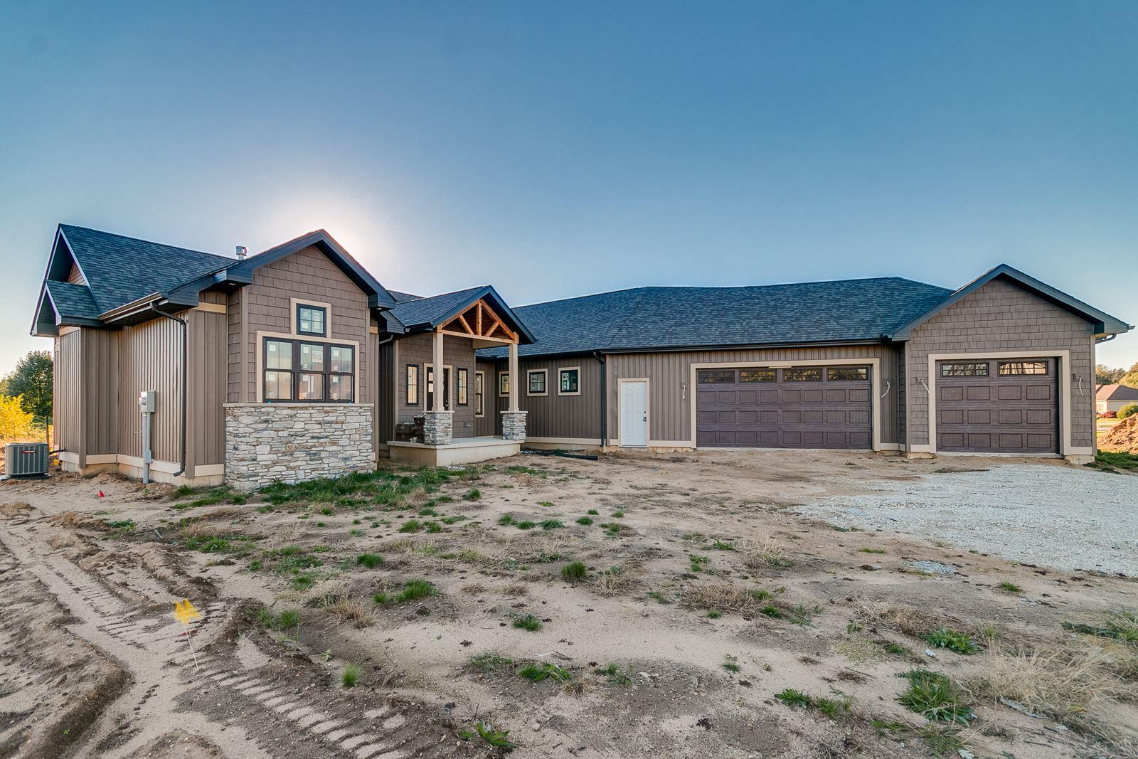 30292 Copperfield Granger, IN 46530