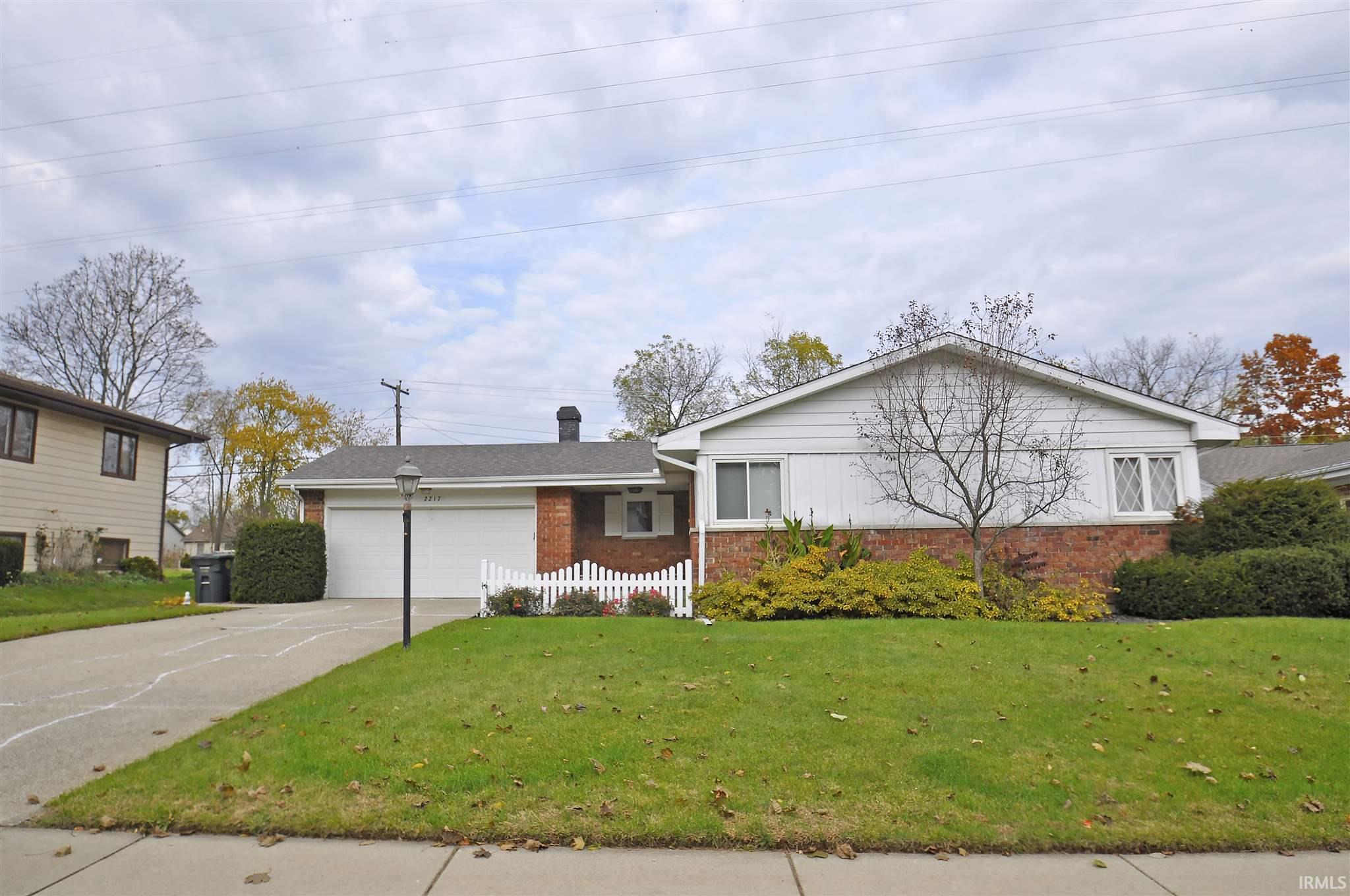 2217 Council Oak South Bend, IN 46628