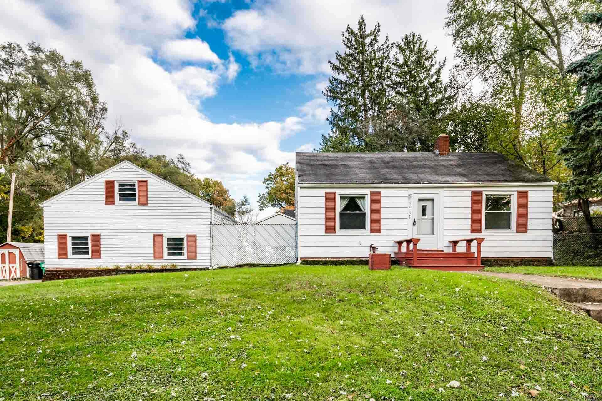 54174 Maple Lane South Bend, IN 46635