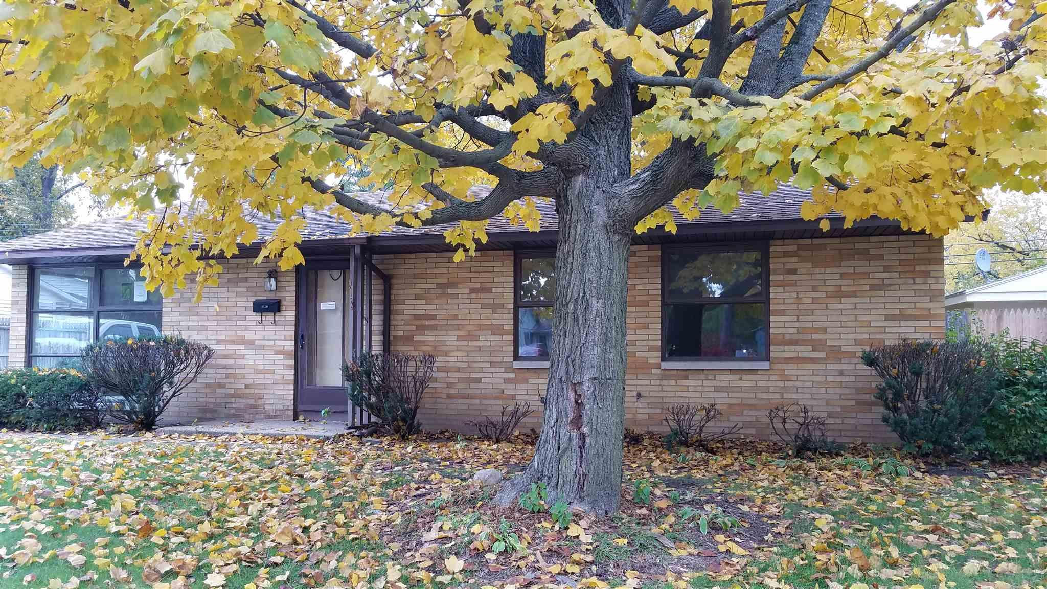 912 Whitehall South Bend, IN 46615