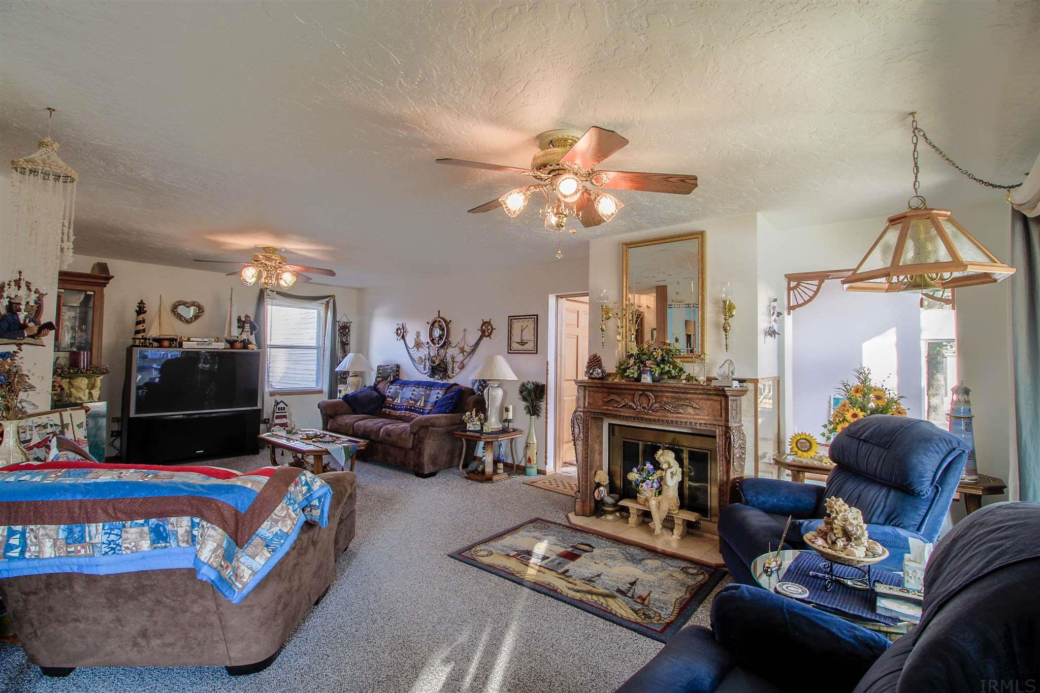 5554 E GOLDEN ACRE COURT, MONTICELLO, IN 47960  Photo 11