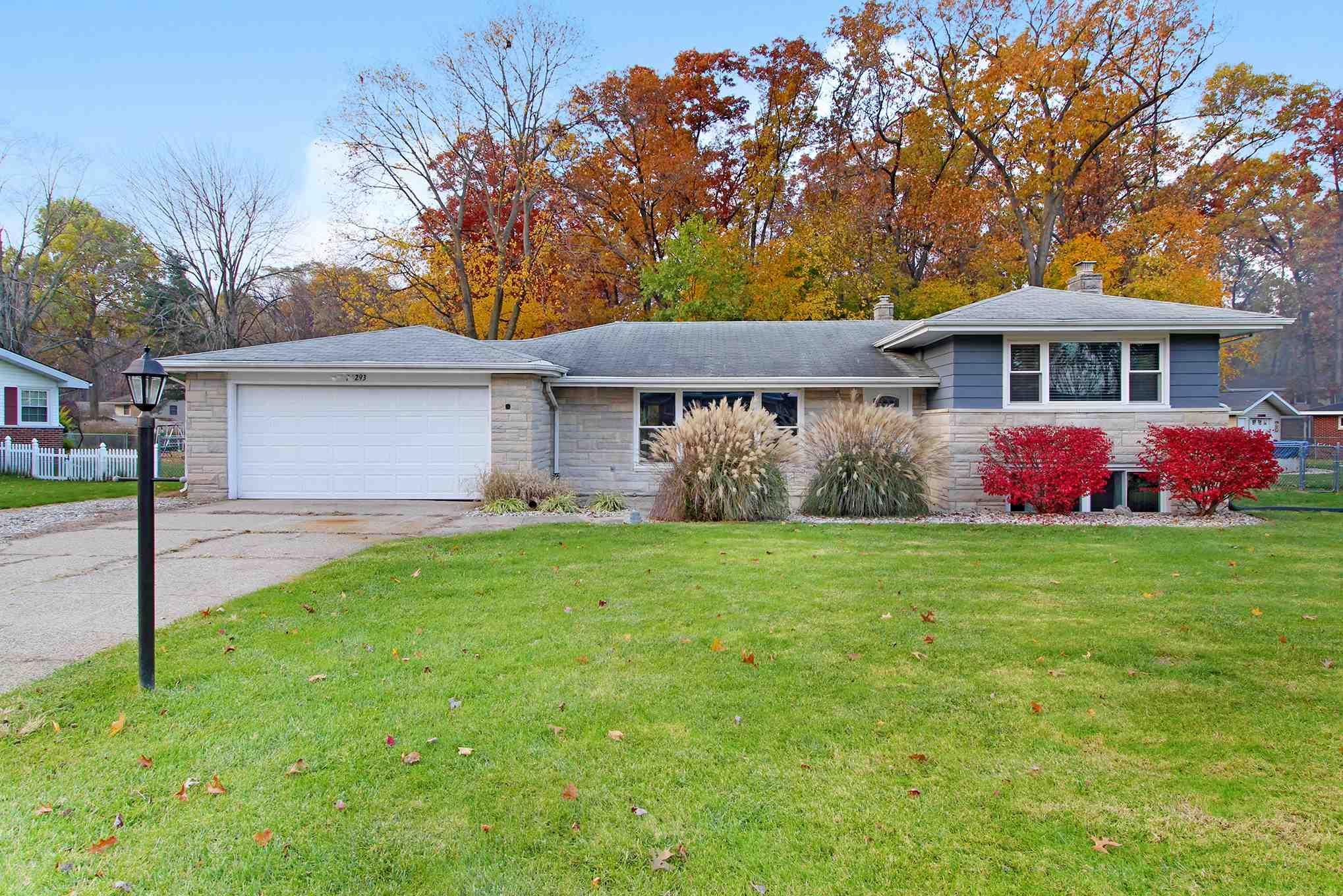 26293 Cottage Elkhart, IN 46514