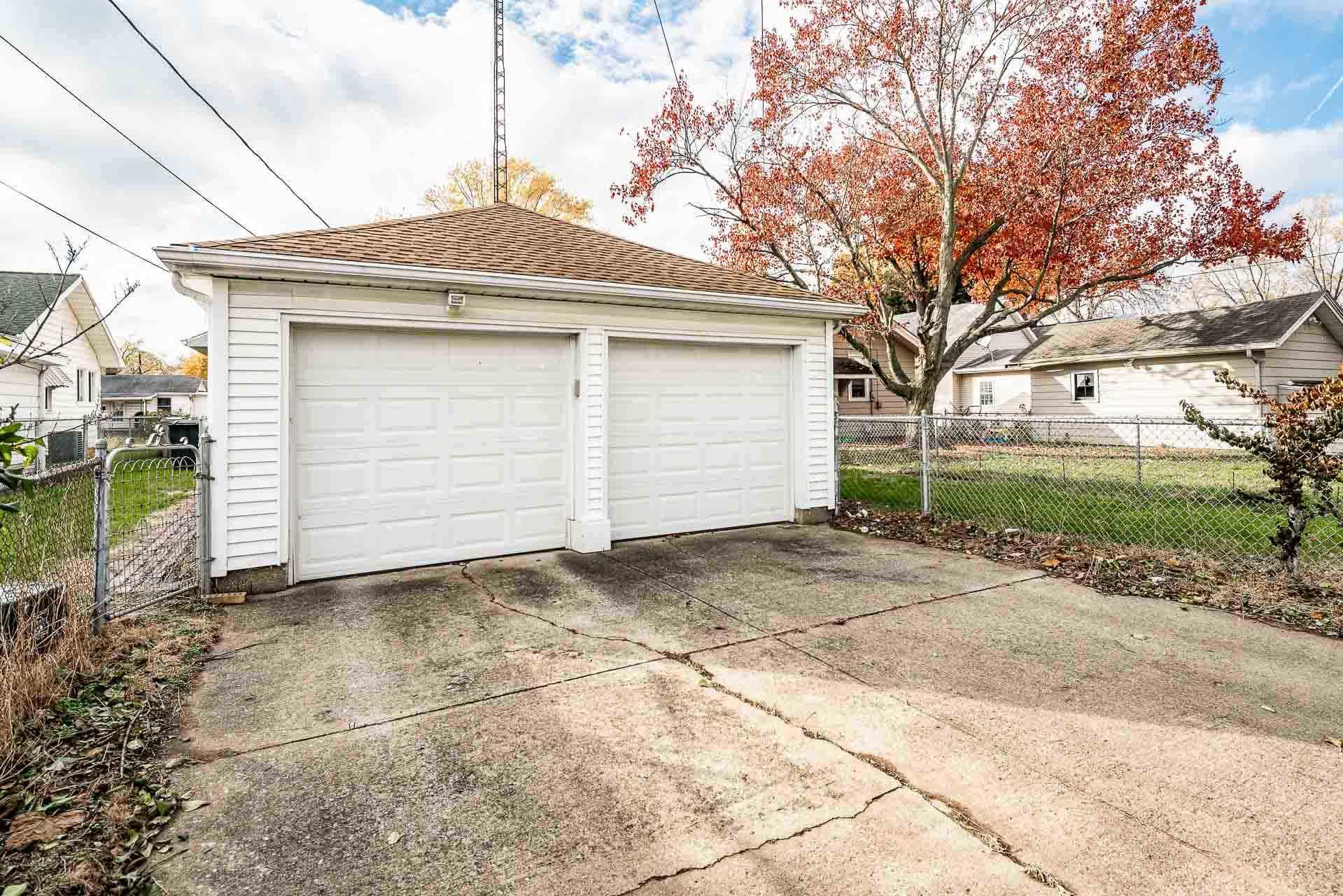 942 S 33RD South Bend, IN 46615