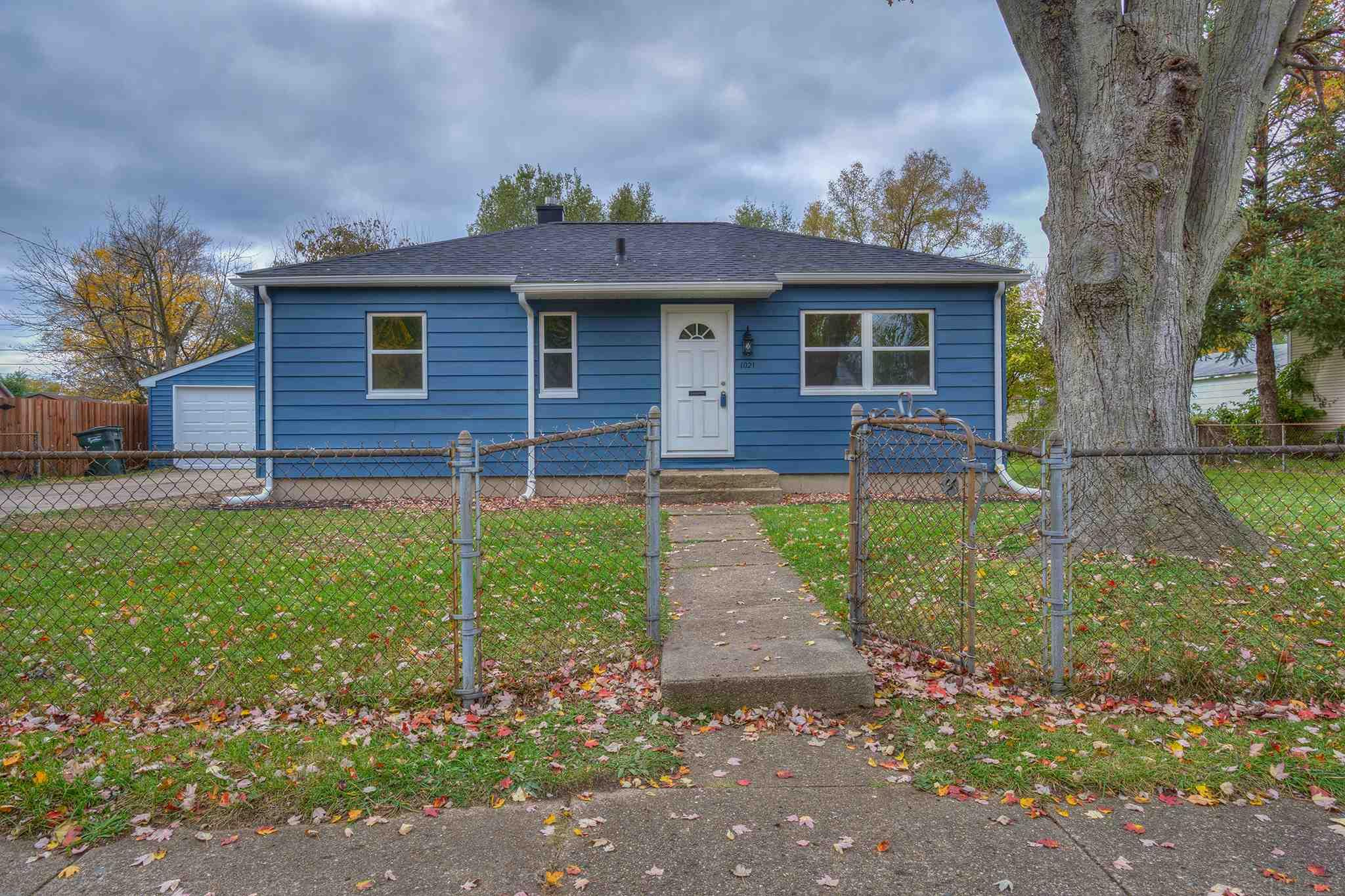 1021 S 32nd South Bend, IN 46615
