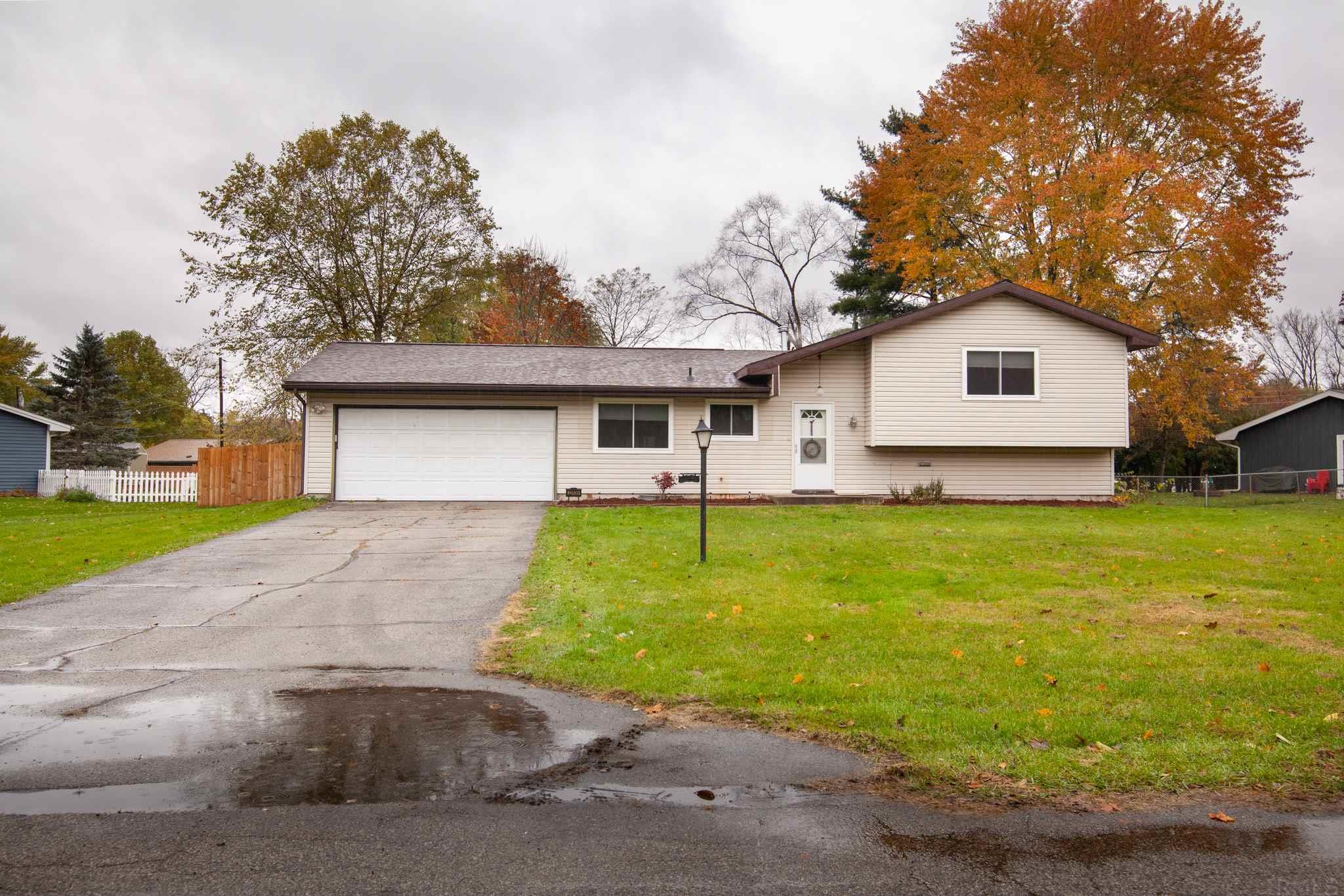 23539 Holly Elkhart, IN 46514
