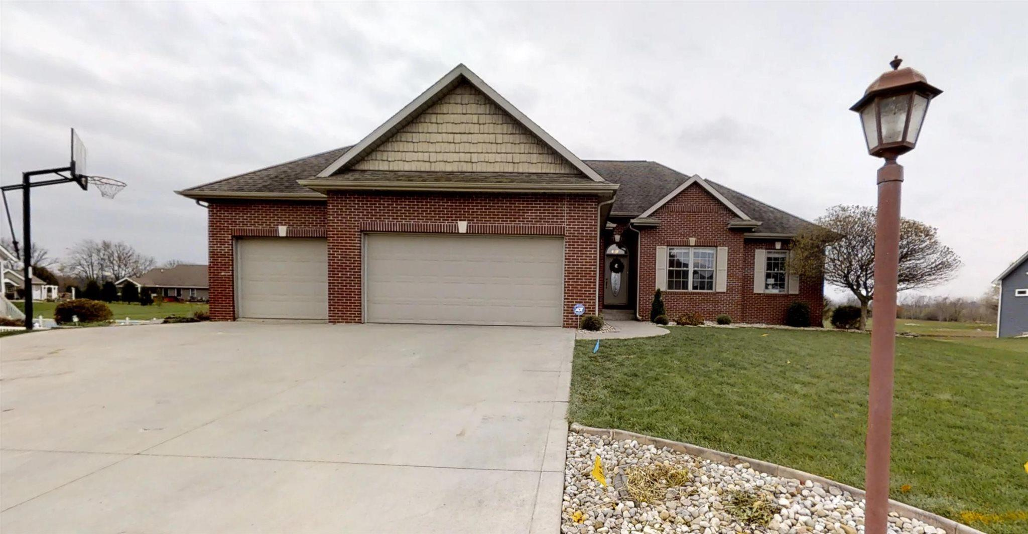 114 Parkfield Wakarusa, IN 46573