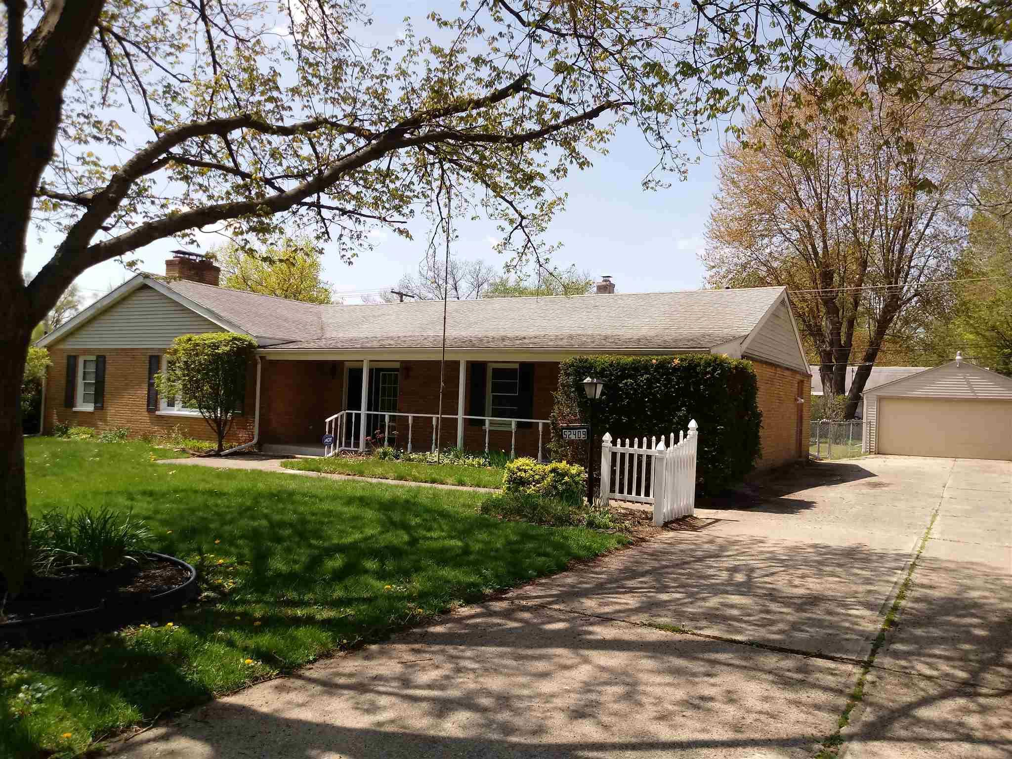 52409 Forestbrook South Bend, IN 46637