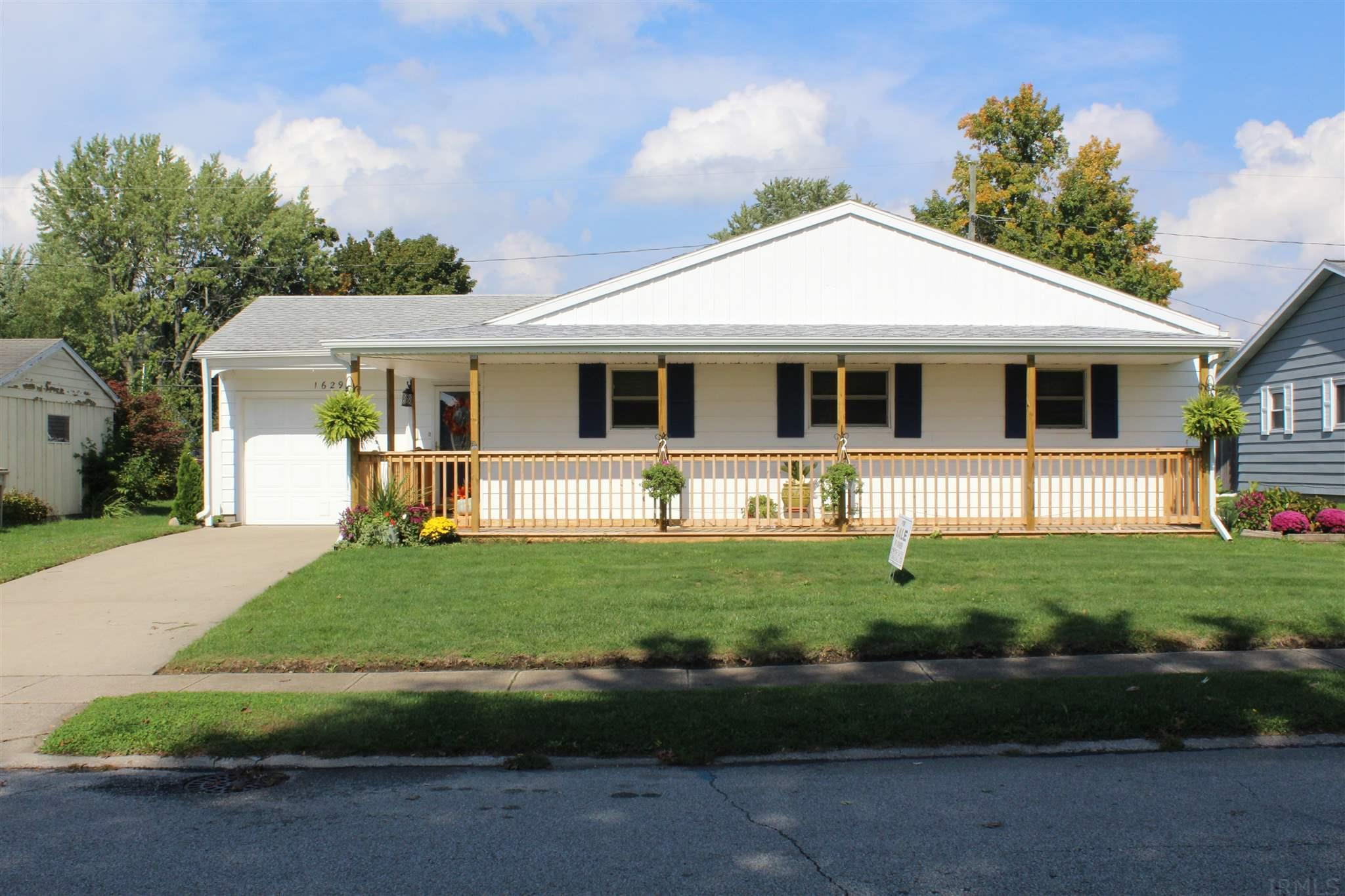 1629 Orkney South Bend, IN 46614