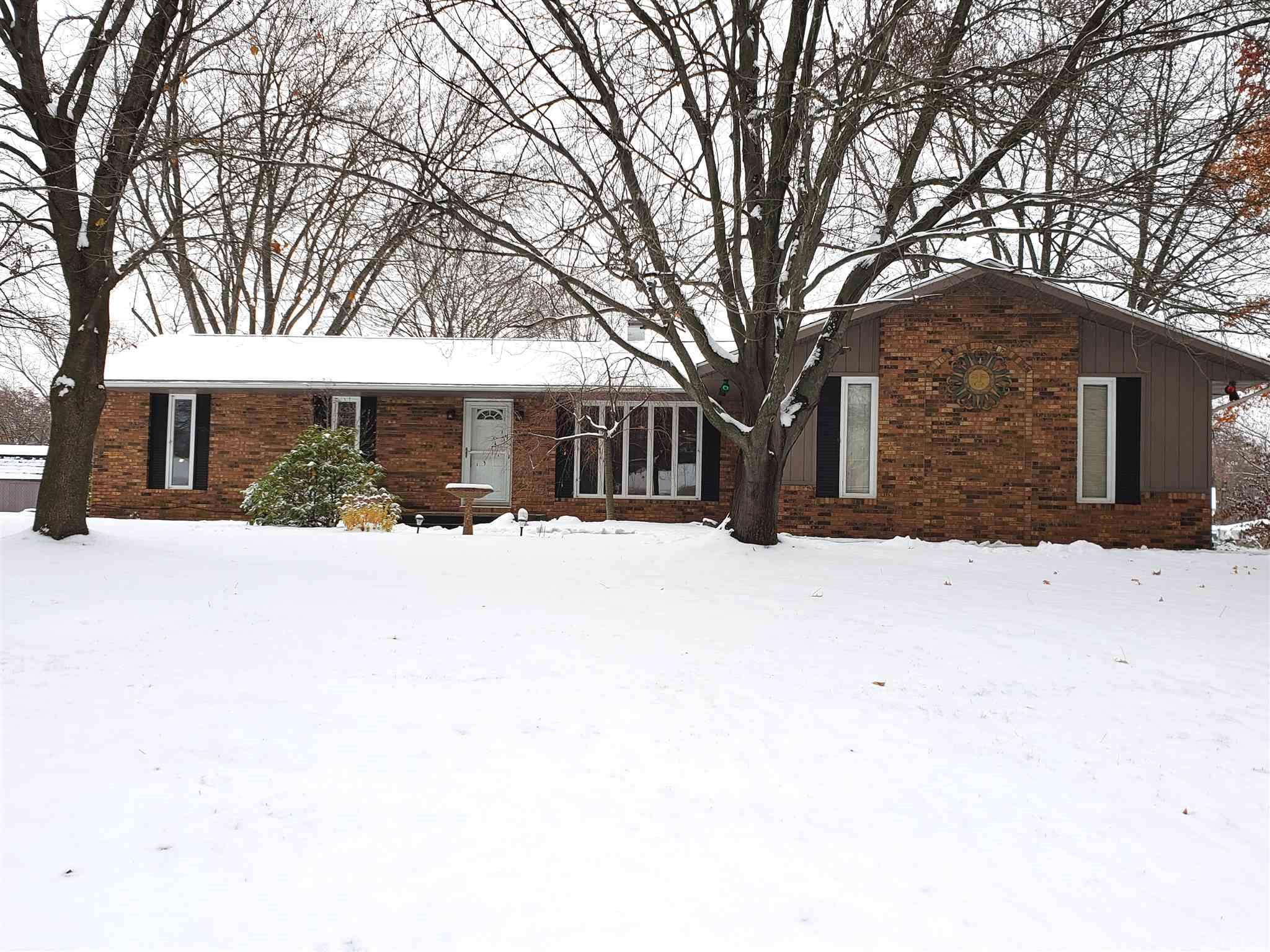 53120 Crestview South Bend, IN 46635