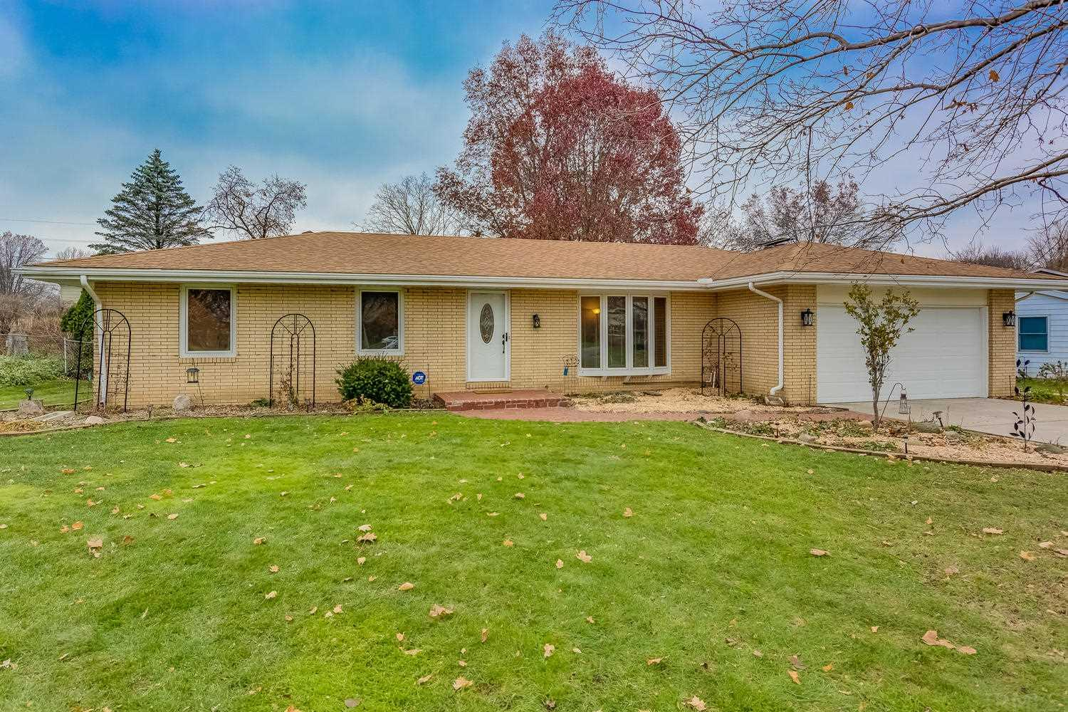 1367 Berkshire South Bend, IN 46614