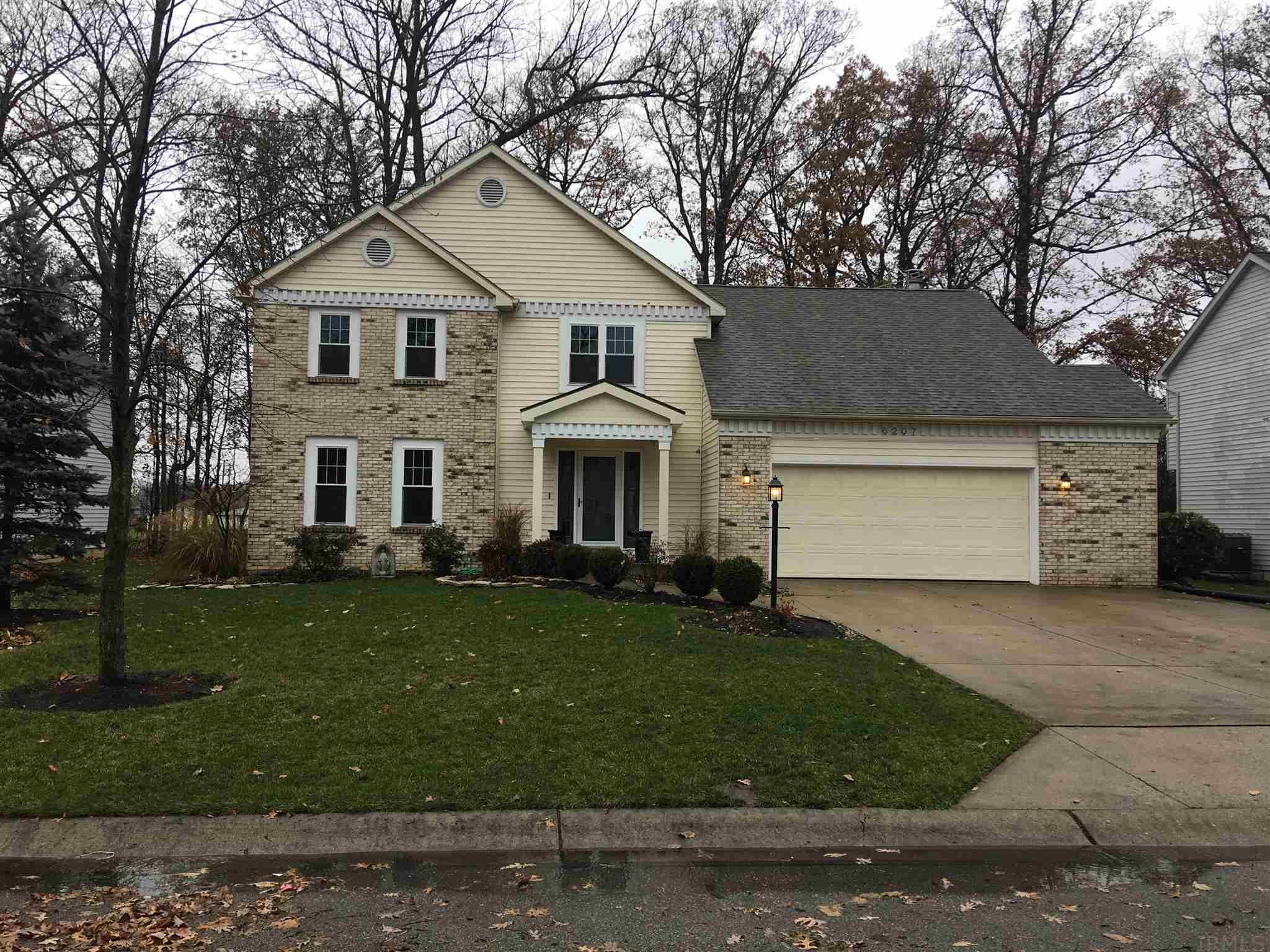 6207 Hunter Wood Drive, Fort Wayne, IN 46835-2664