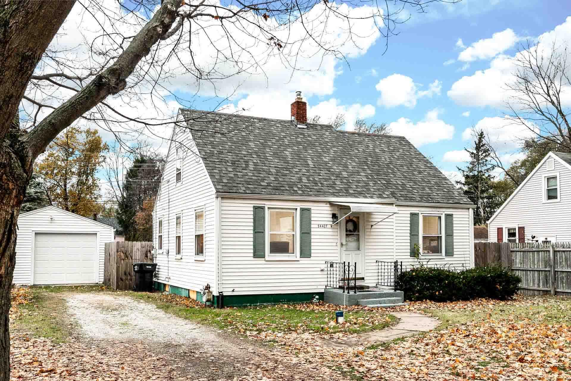 54427 Terrace South Bend, IN 46635