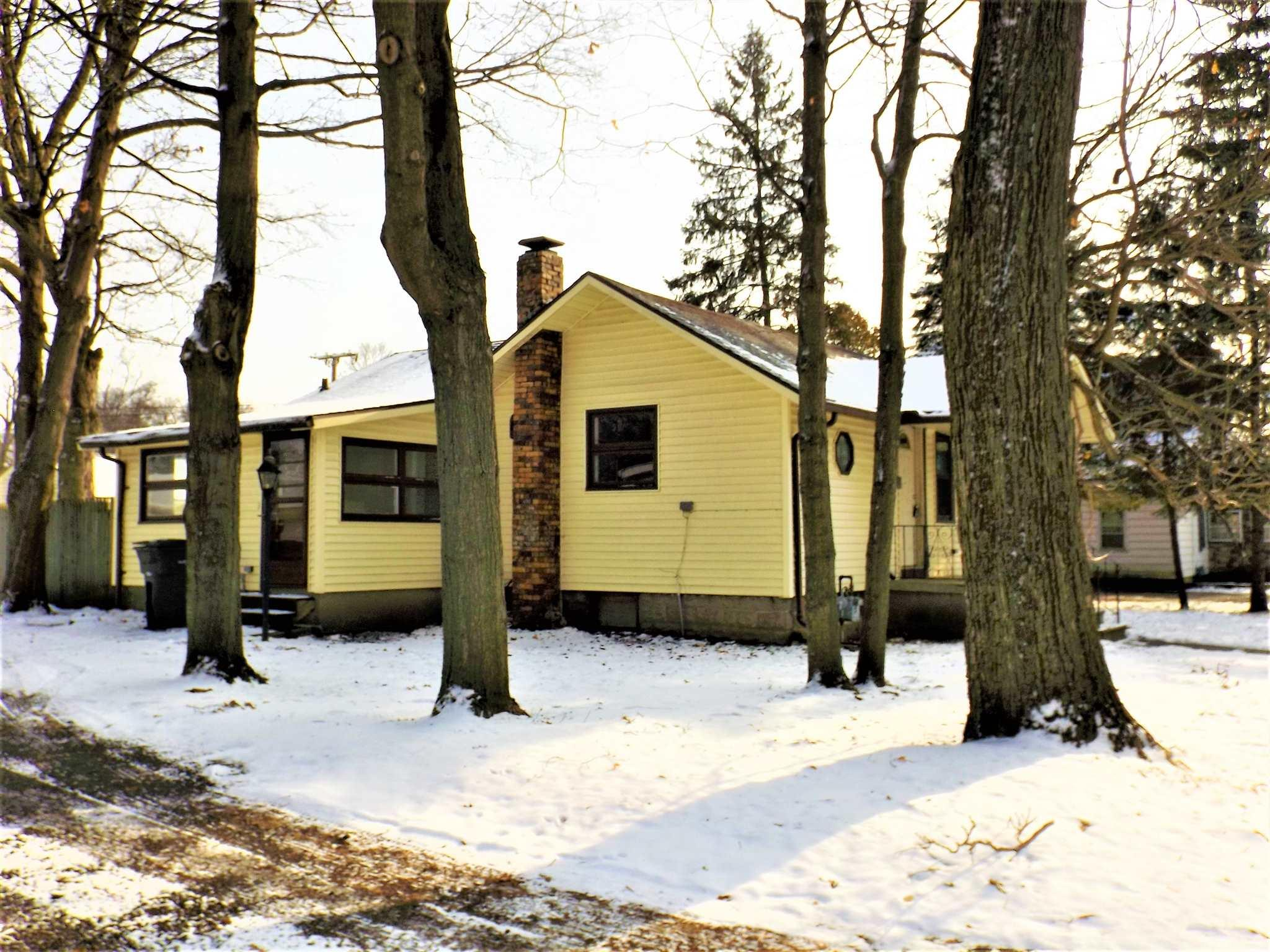 1424 Willowdale Avenue, Elkhart, IN 46514