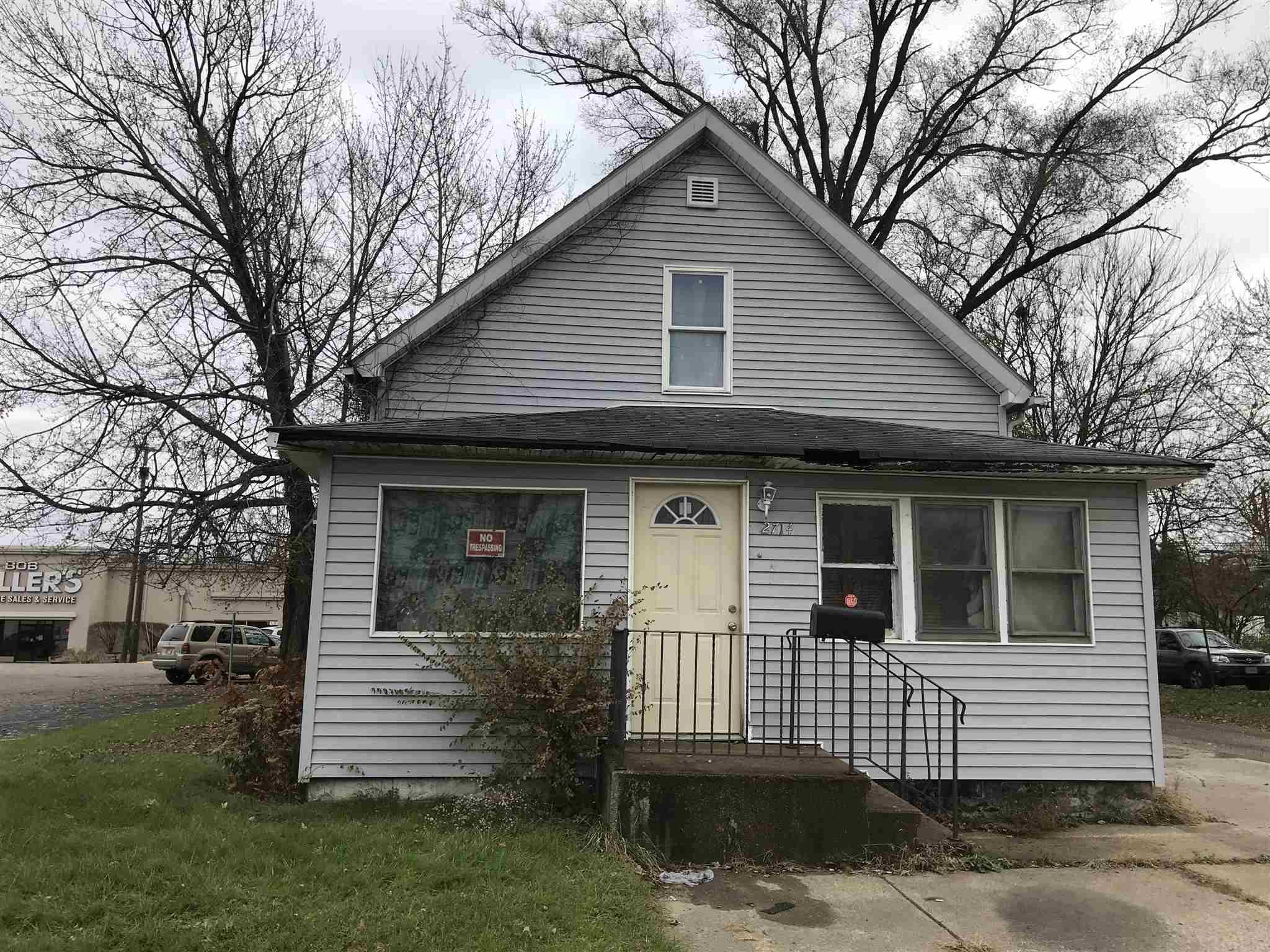 2714 S Main South Bend, IN 46614