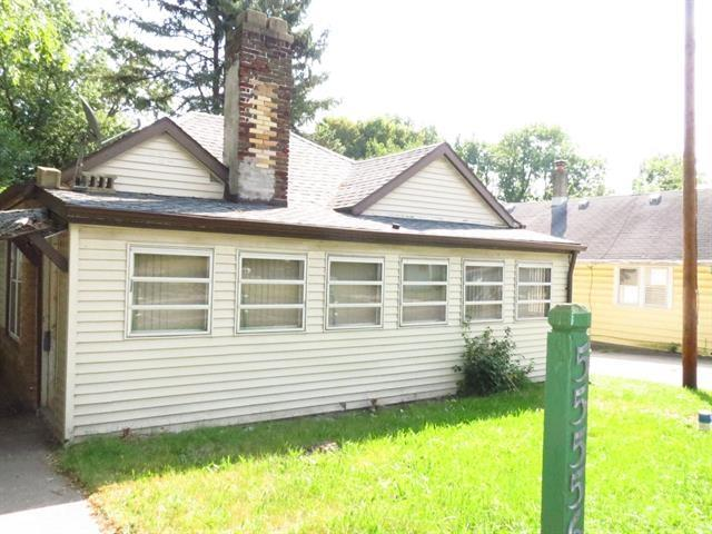 55556 Grandview South Bend, IN 46628