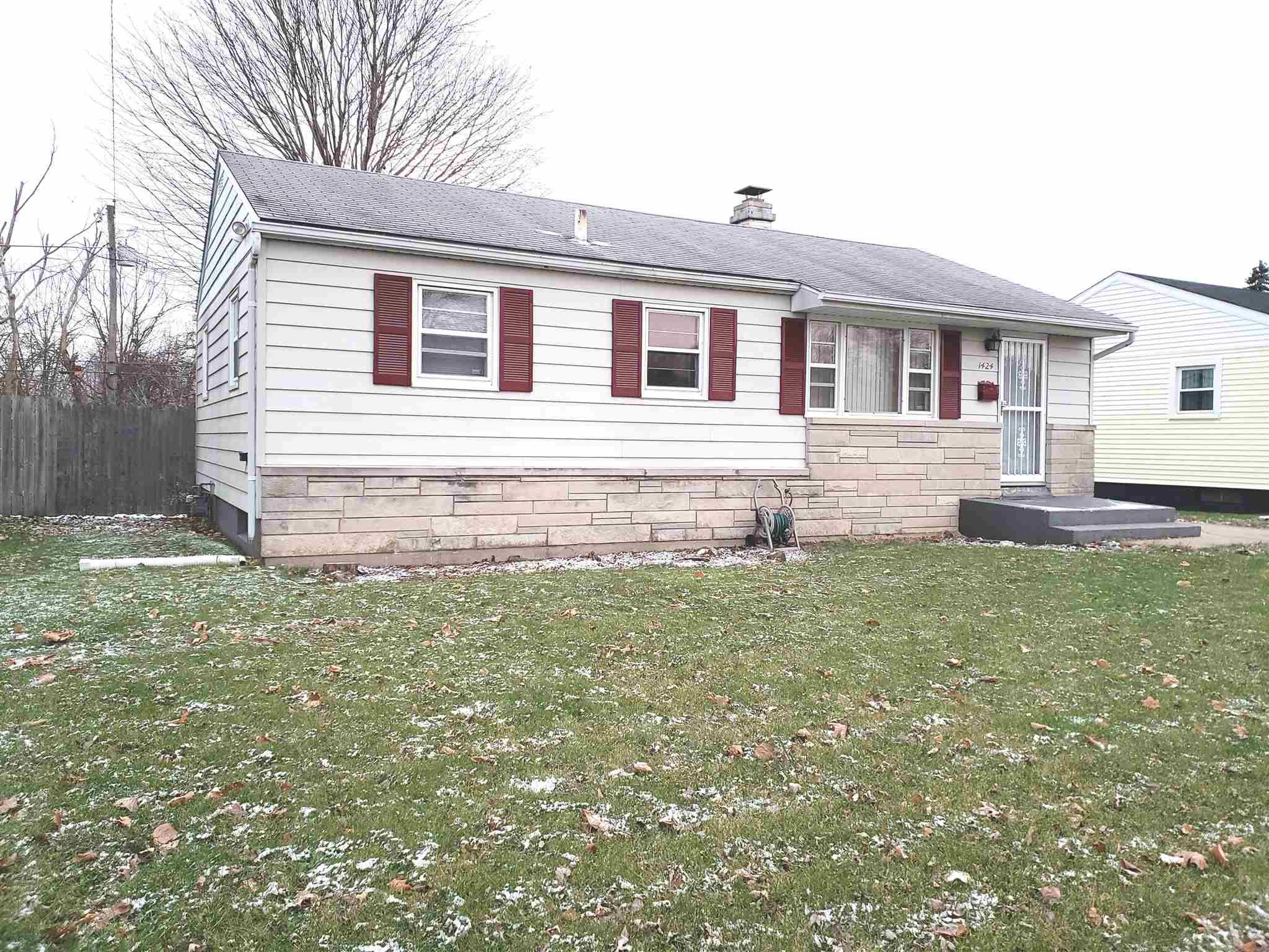 1424 N Iowa South Bend, IN 46628