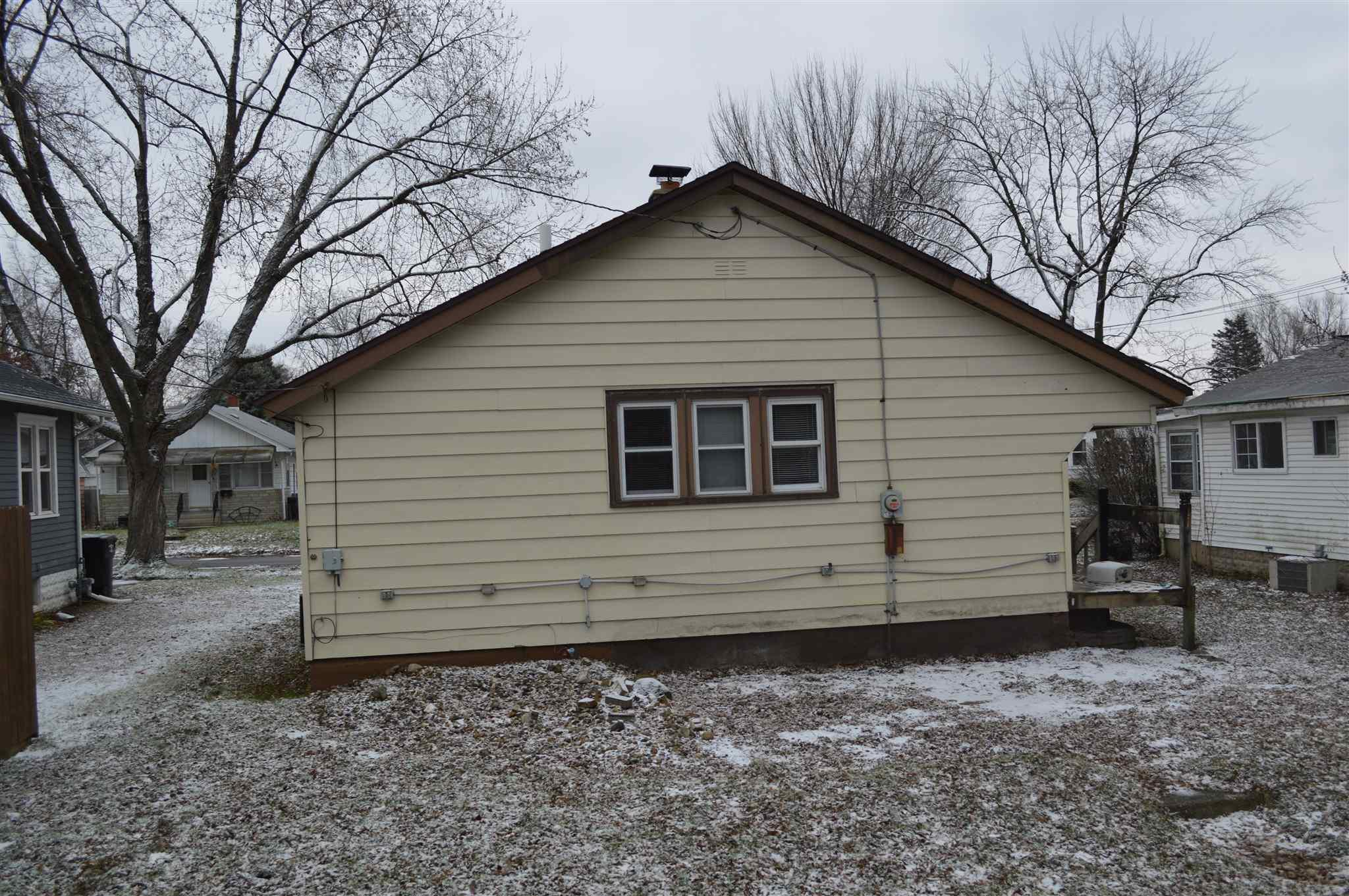 521 S 23RD South Bend, IN 46615