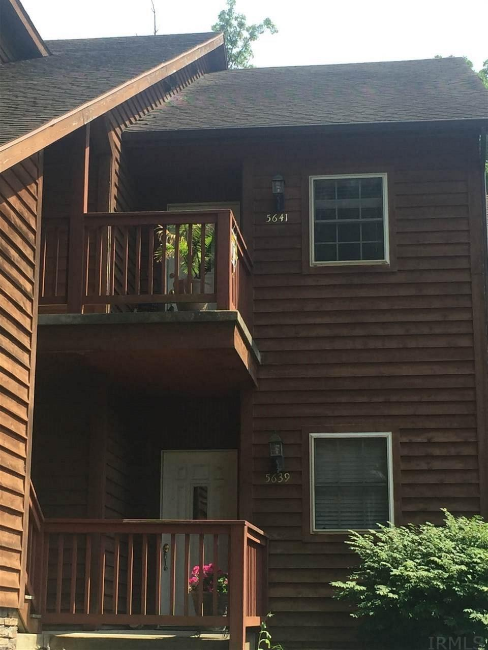Enjoy the privacy and seclusion of this 3br/2ba condo in Arbor Valley. This vacation like setting is close to west side amenities, minutes from down town, USI, and Mt Vernon. Desirable end unit features : new hardwood floors 2014, new furnace and ac 2014, updated paint and lighting, and additional attic insulation. Main level has cozy kitchen with cherry cabinets, tile floor, & complete with appliances. Just off the kitchen is large open living room and dining area with vaulted ceilings, floor to ceiling stacked stone gas fireplace with custom mantel. This end unit has additional windows that welcome additional light . Just off the living room you find the master bedroom with master bath with double vanity, linen closet and tub/shower combo. Down the hall is 2nd bedroom and additional full bath. Upstairs you find a third bedroom, hall storage closet and access to attic storage. All bedrooms have large walk in closets. Just off the living room is a covered deck with lake views, space for patio table, room to grow herbs and vegetables, and to grill. Inside the condo you can access garage by elevator which you share with 1 other unit . Additional access from outside or stairs lending down to garage. Garage is one vehicle wide and deep enough for 2 vehicles.Plenty or room or additional storage in garage. Additional parking available. Laundry located in hall and washer and dryer included. Condo association and monthly fees. Fees include: water, trash pick up (can provided), outside lawn and landscape maintenance, outside electrical, outside building maintenance, and pest control quarterly. Average 12 month vectren = $136.00