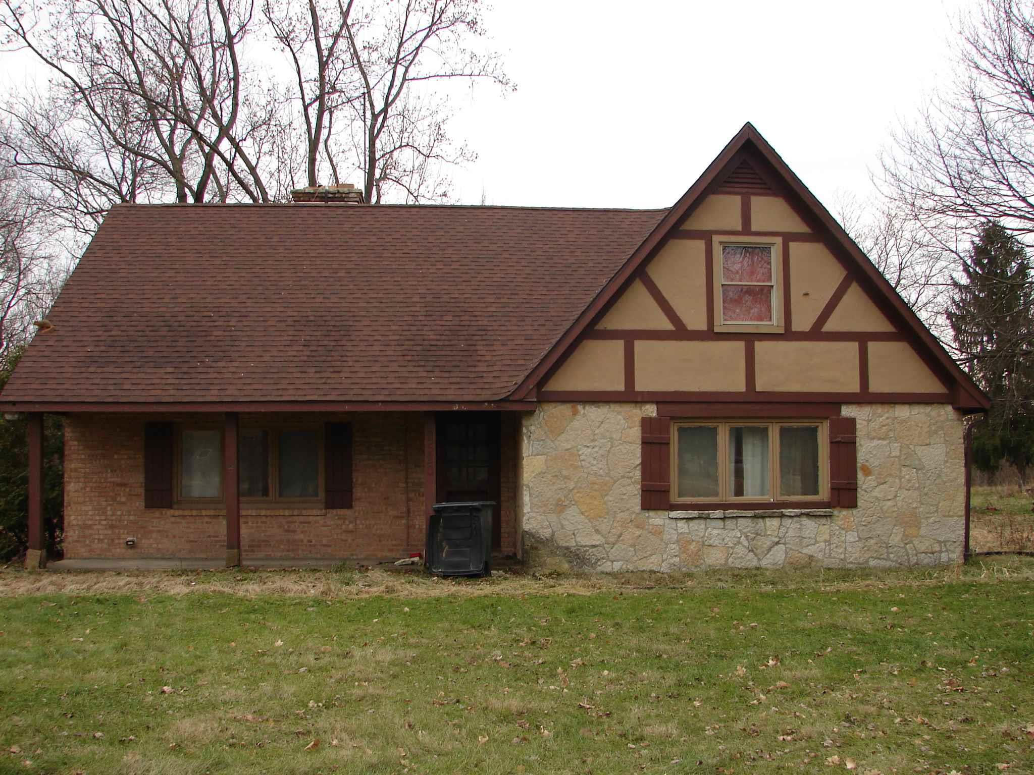 2520 Lathrop South Bend, IN 46628
