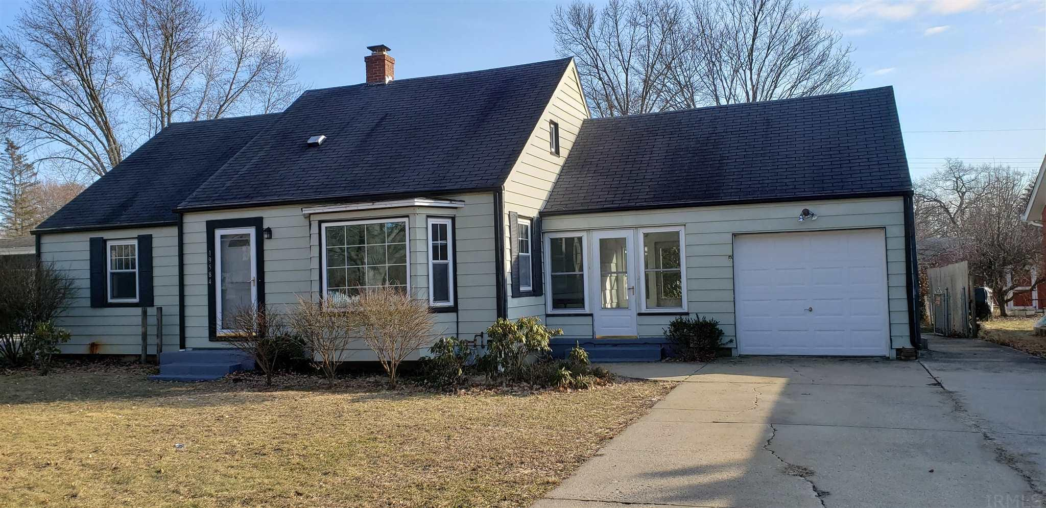 19584 Glendale South Bend, IN 46637