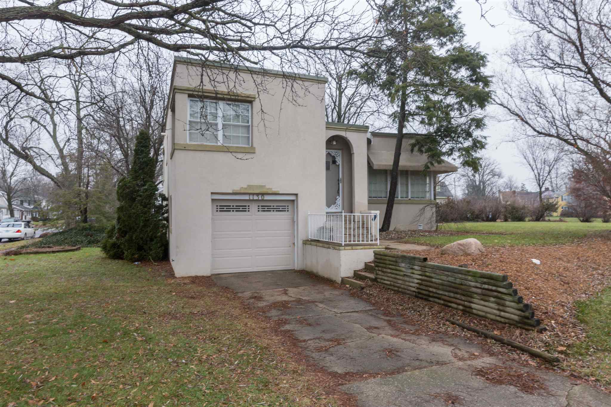 1130 Iroquois South Bend, IN 46617